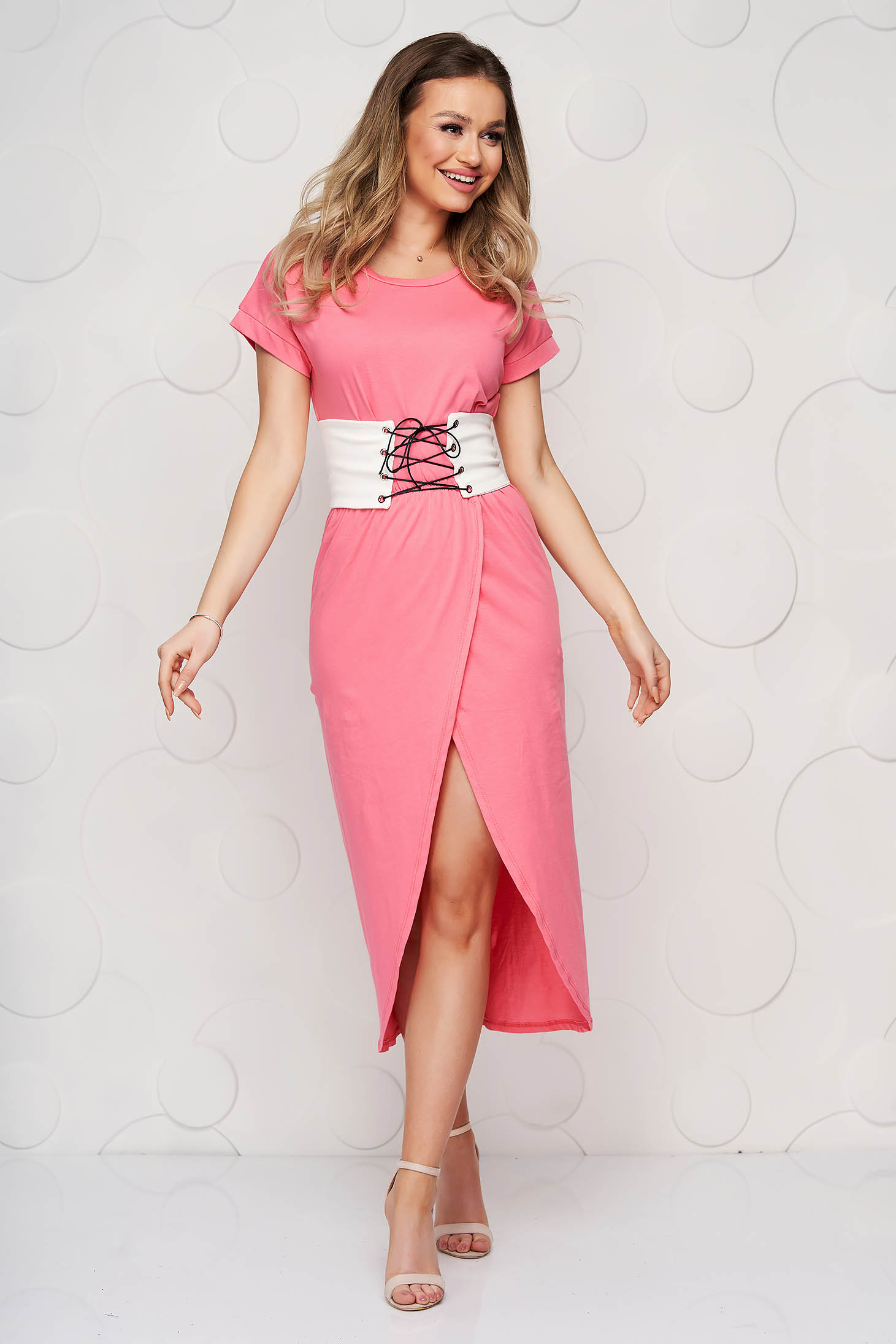 Pink dress midi slit cloche with rounded cleavage