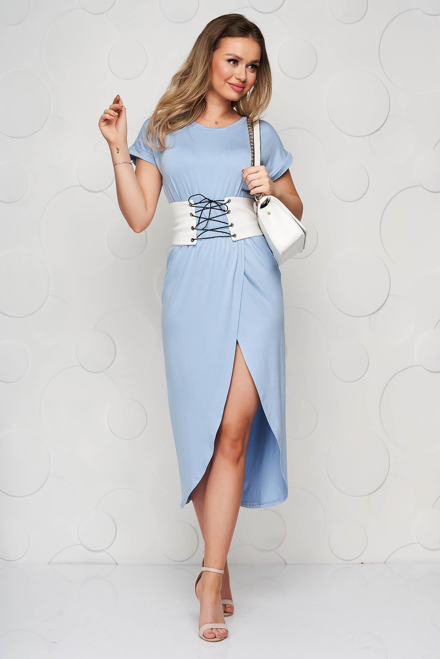 Rochie SunShine albastru-deschis midi crapata pe picior in clos cu decolteu rotunjit si brau detasabil