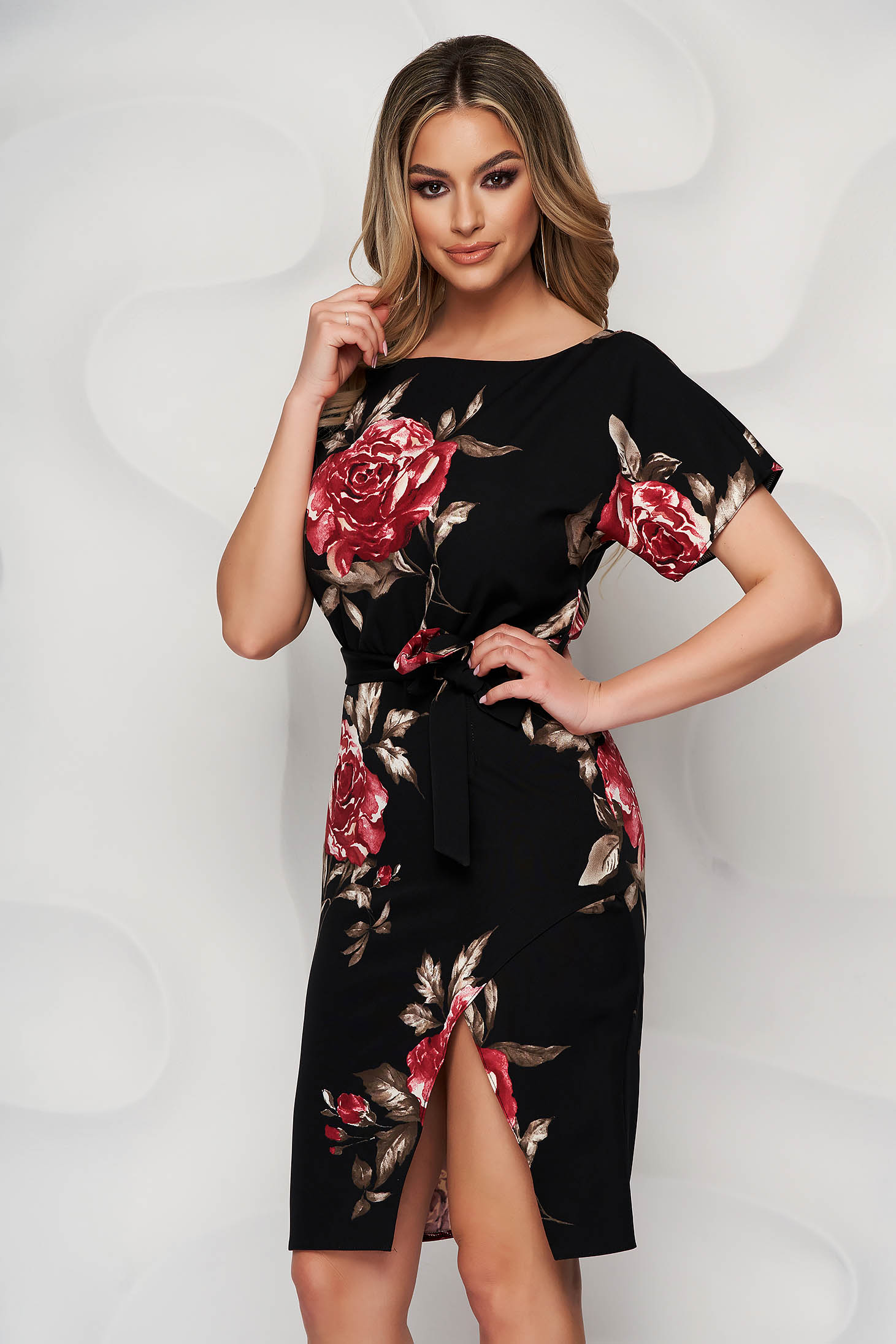 Black dress with floral print pencil detachable cord with rounded cleavage