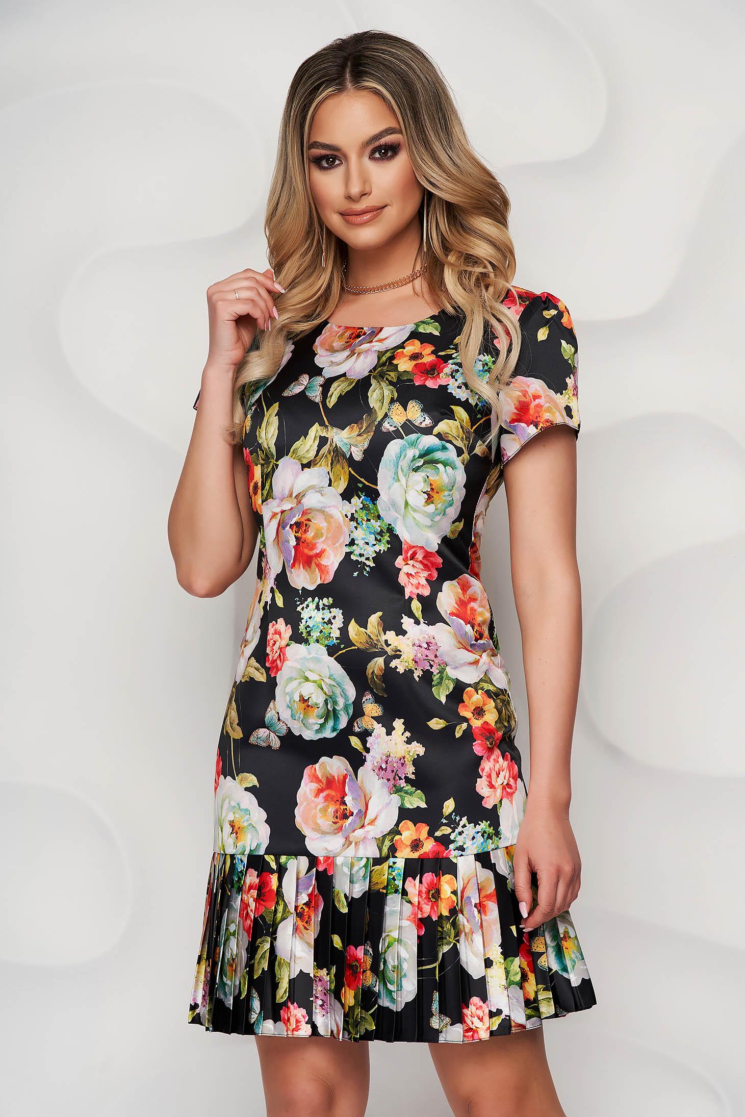 Rochie neagra cu imprimeu floral din material usor elastic midi cu pliuri de material