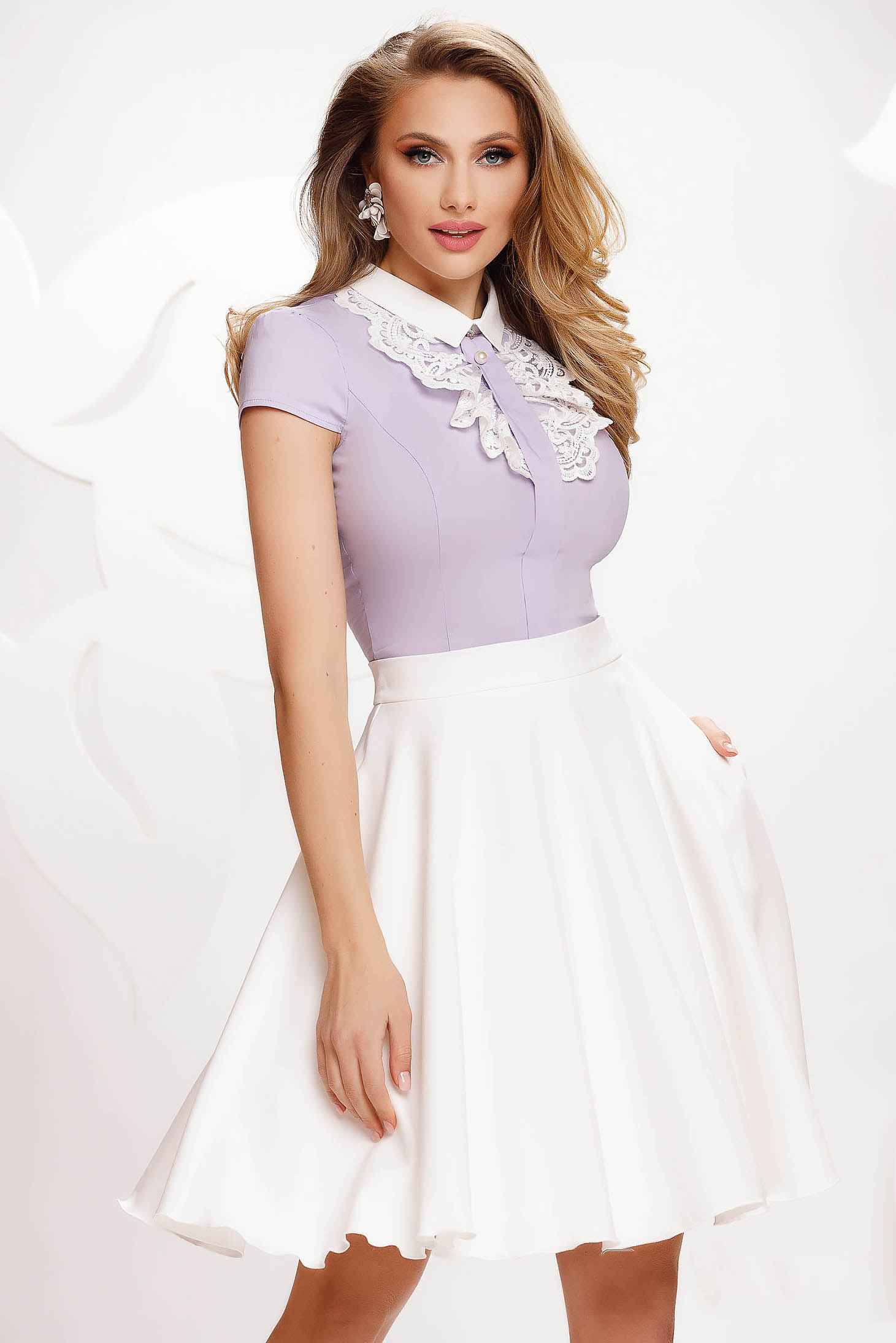 Camasa dama Fofy lila din bumbac cambrata cu aplicatii de dantela eleganta