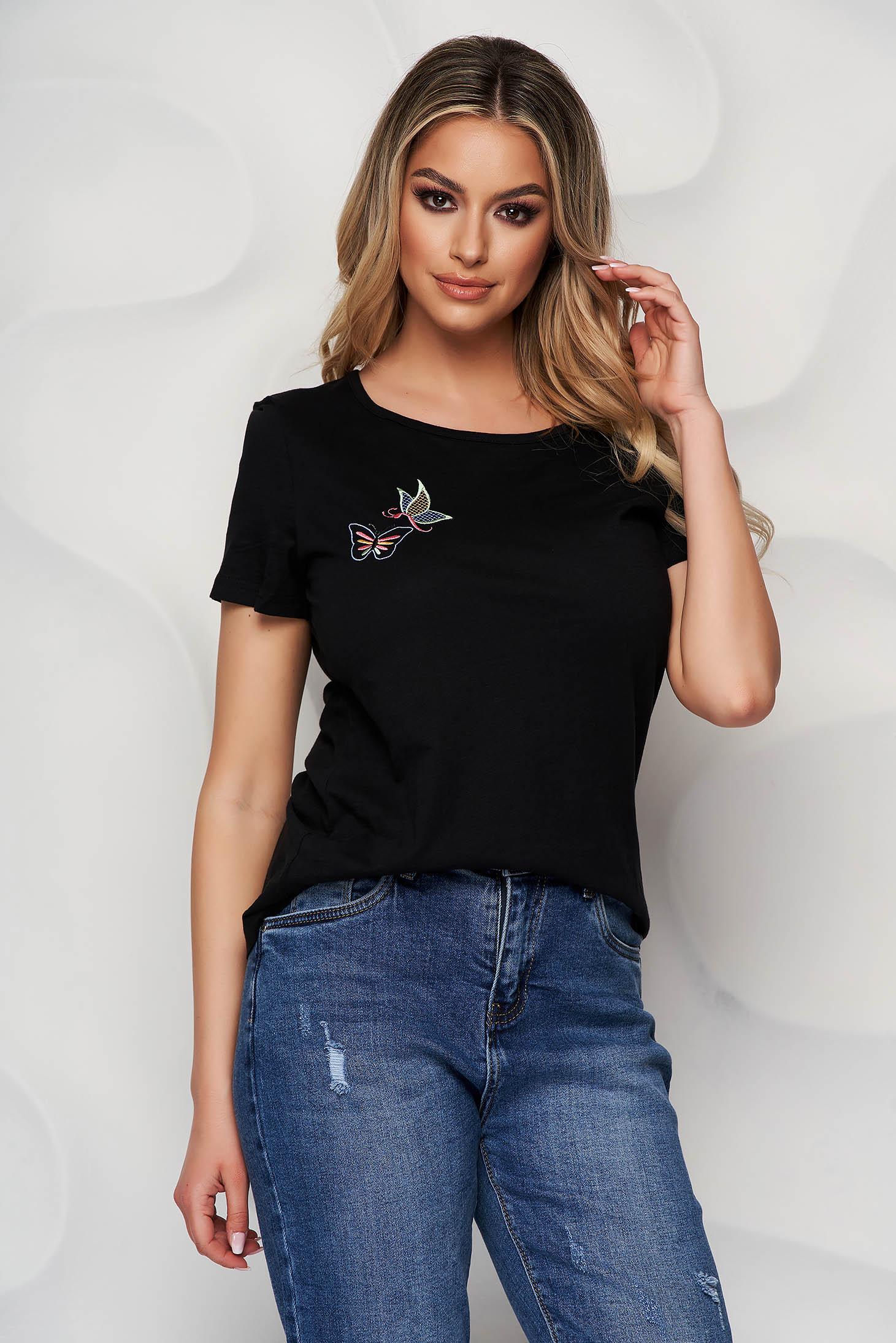 Tricou StarShinerS negru din bumbac organic scurt cu guler rotunjit si detalii brodate unice