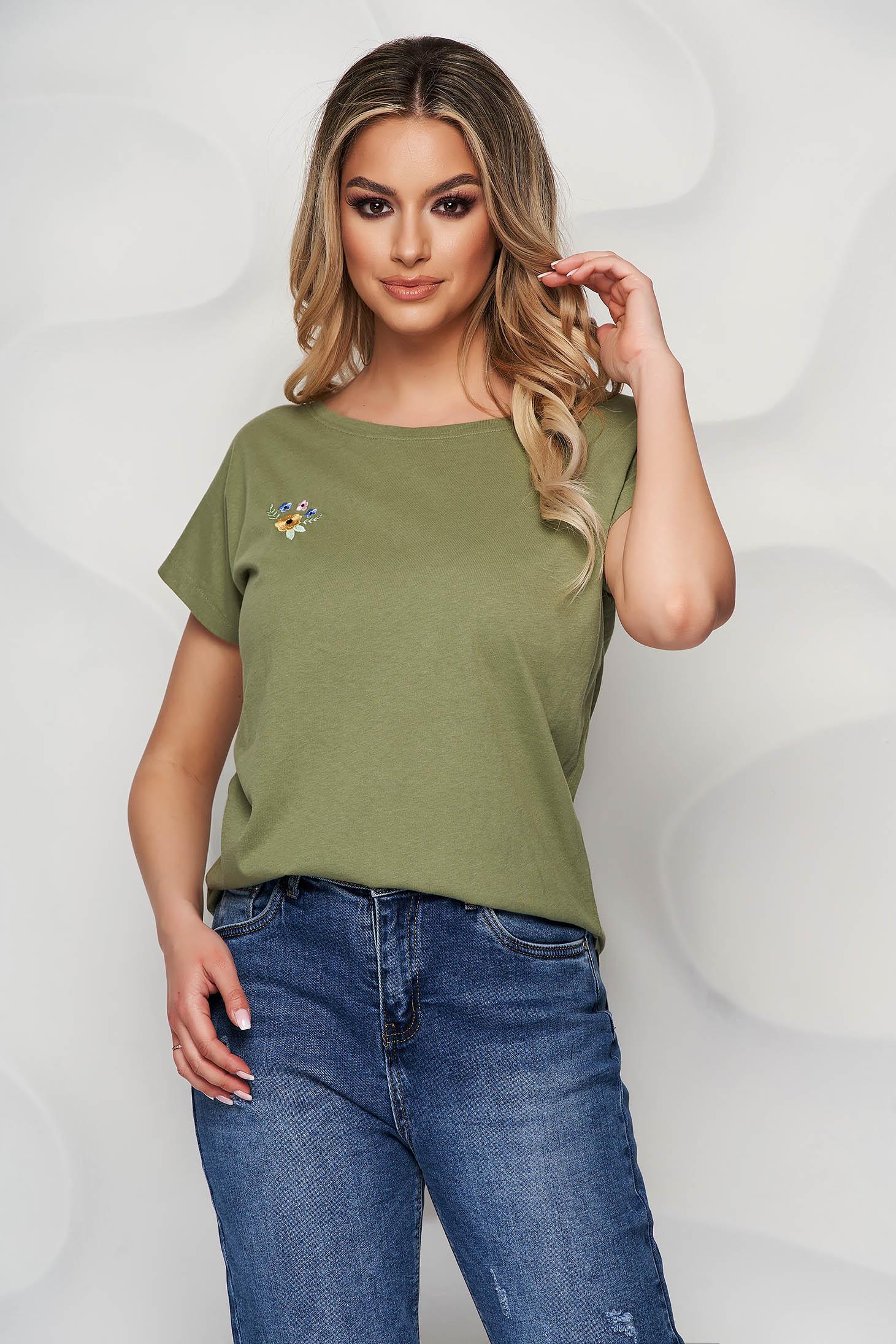 Khaki zöld StarShinerS felső enyhén elasztikus pamutból virágos hímzéssel bő szabású