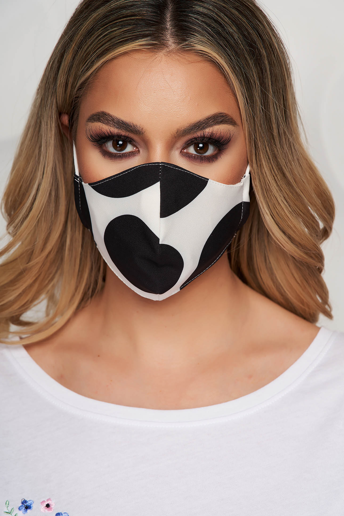 StarShinerS black face masks with floral print