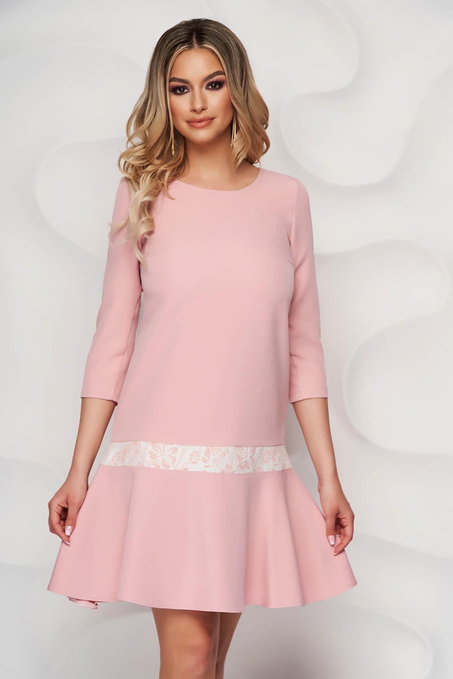 Púder rózsaszínű A-vonalú StarShinerS ruha
