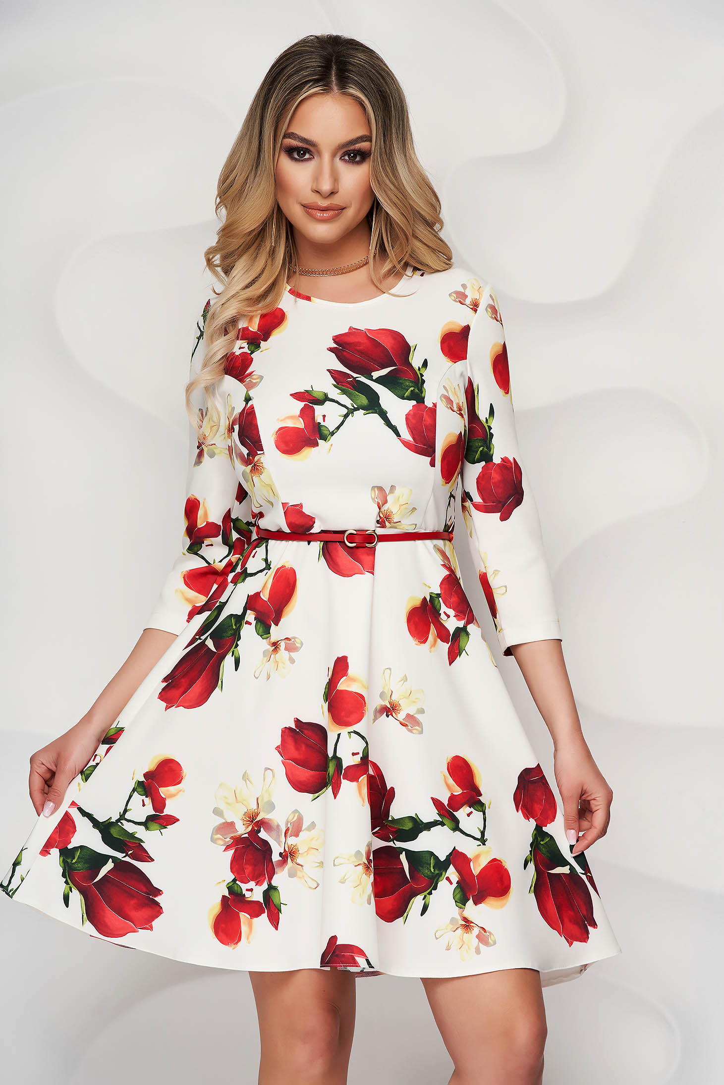 StarShinerS dress with floral print short cut cloche accessorized with belt