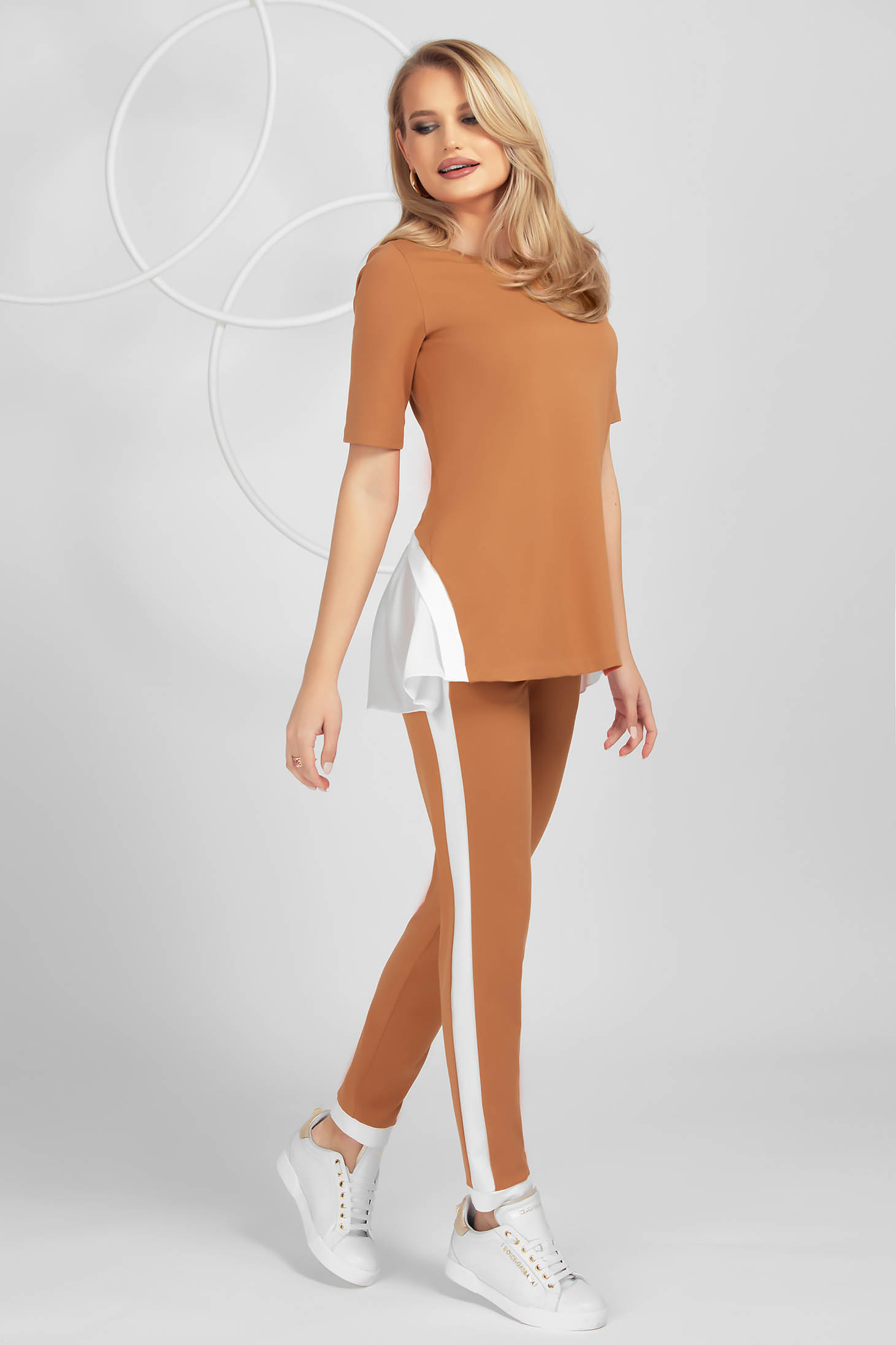 Brown sport 2 pieces voile details from elastic fabric tented short sleeve