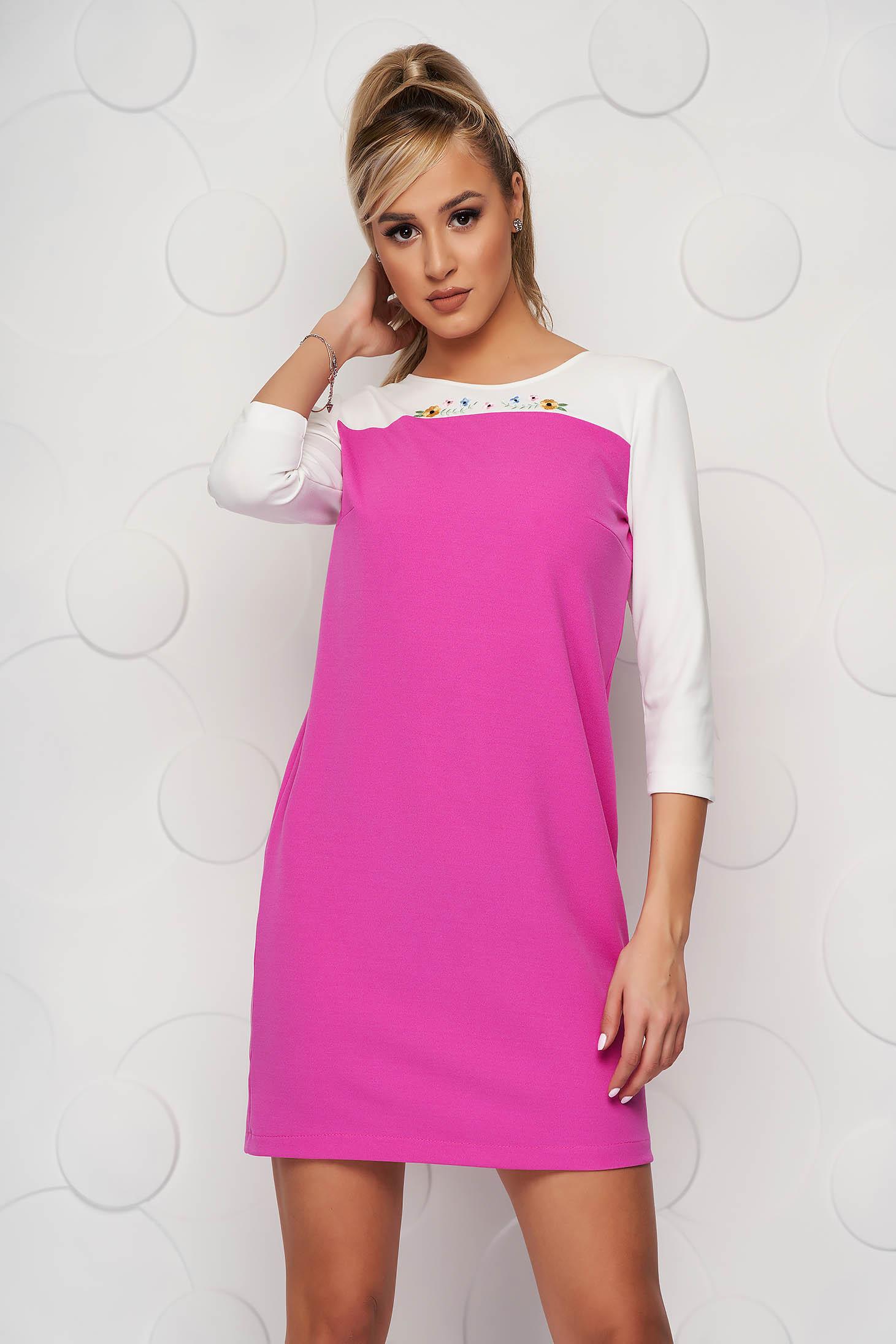Rochie StarShinerS roz scurta cu croi larg din material elastic cu broderie unica
