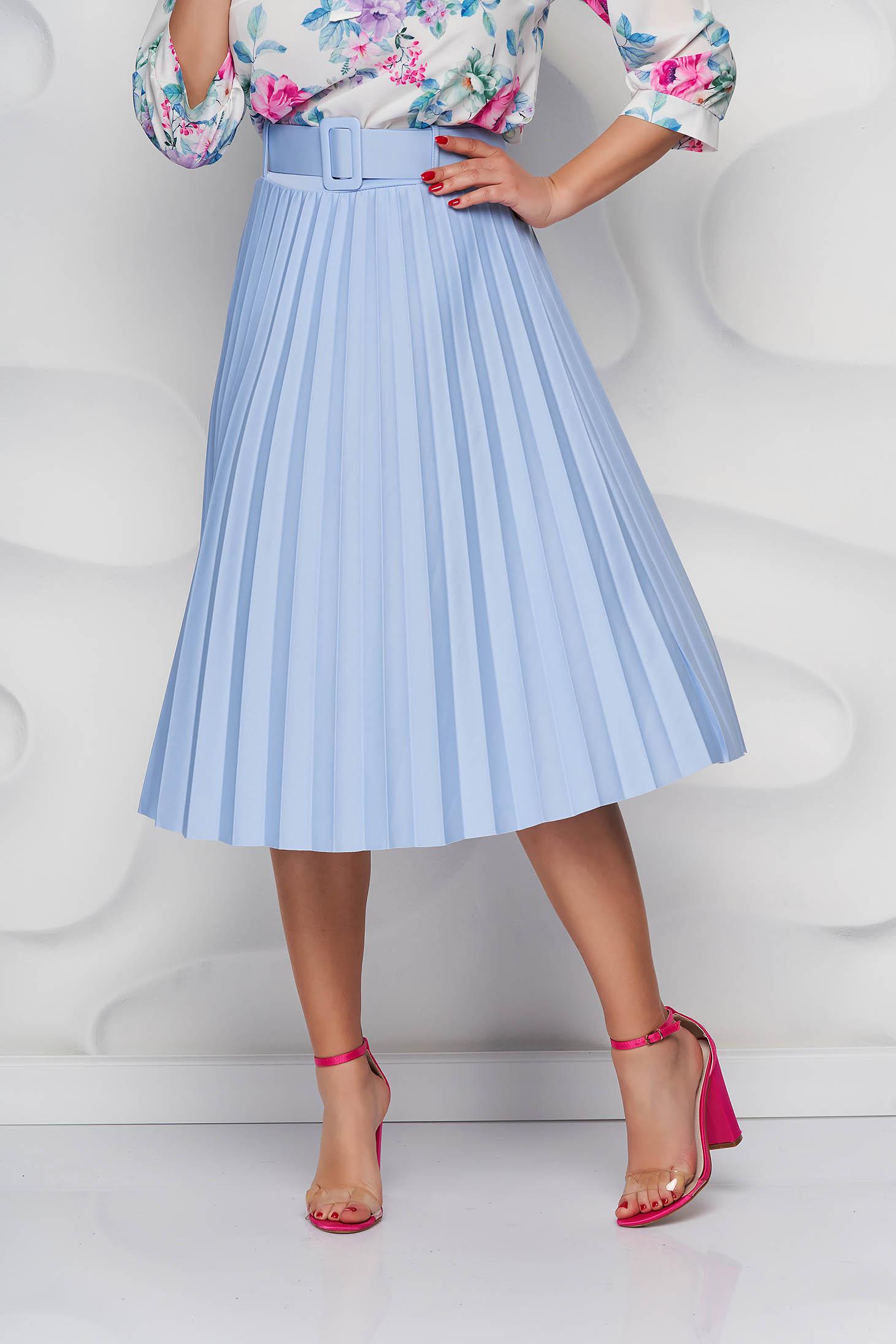 Lightblue skirt cloche accessorized with belt slightly elastic fabric folded up