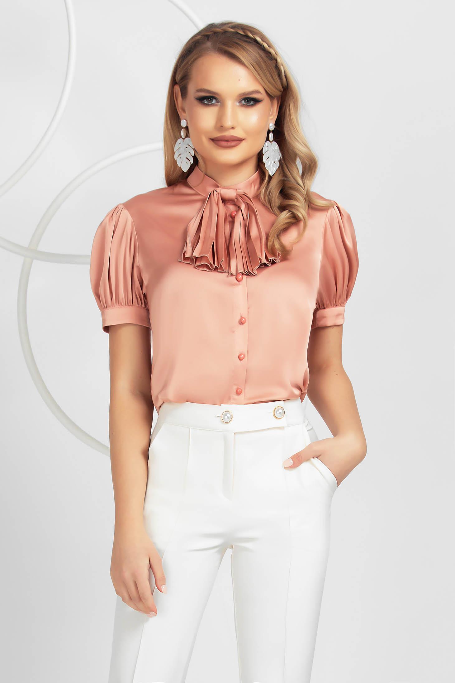 Púder rózsaszínű elegáns női blúz szaténból bő szabású