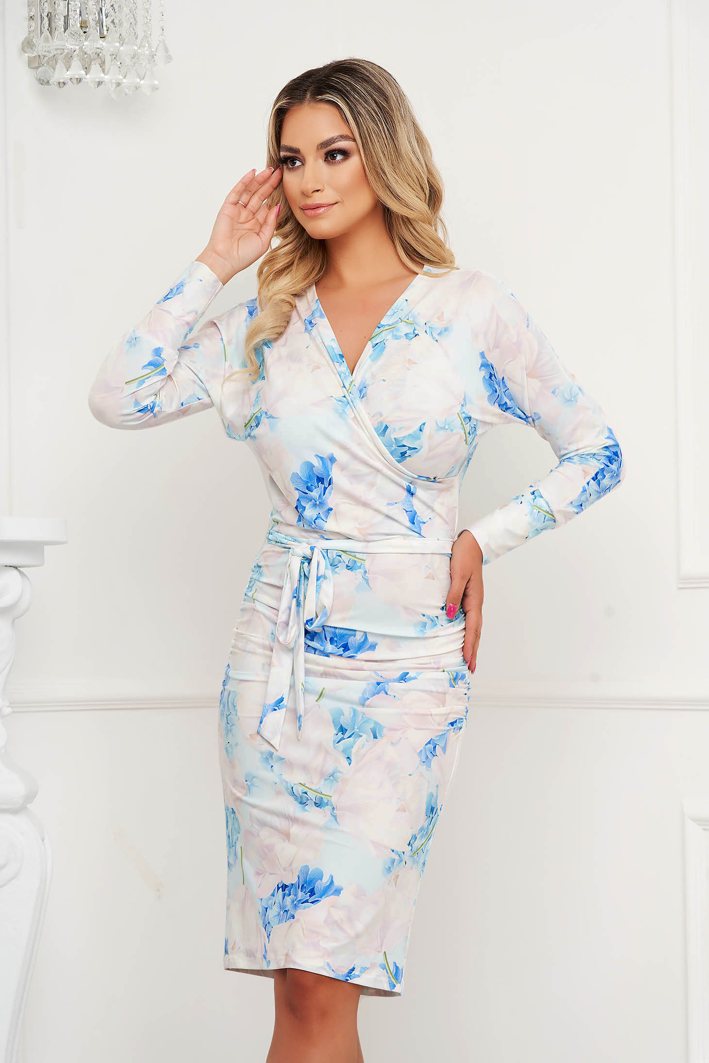 StarShinerS dress with floral print office pencil with v-neckline accessorized with tied waistband