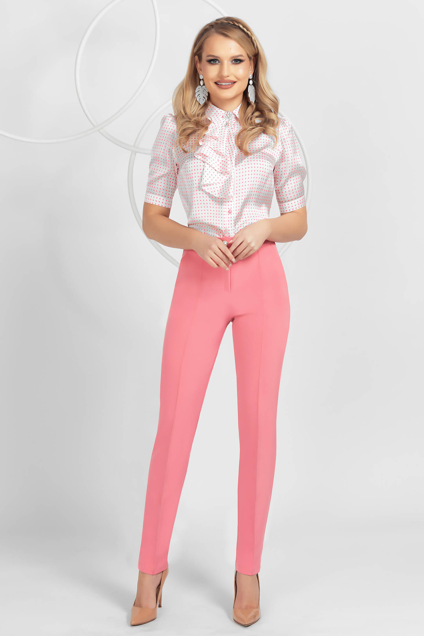 Pantaloni PrettyGirl roz conici din material usor elastic cu talie medie