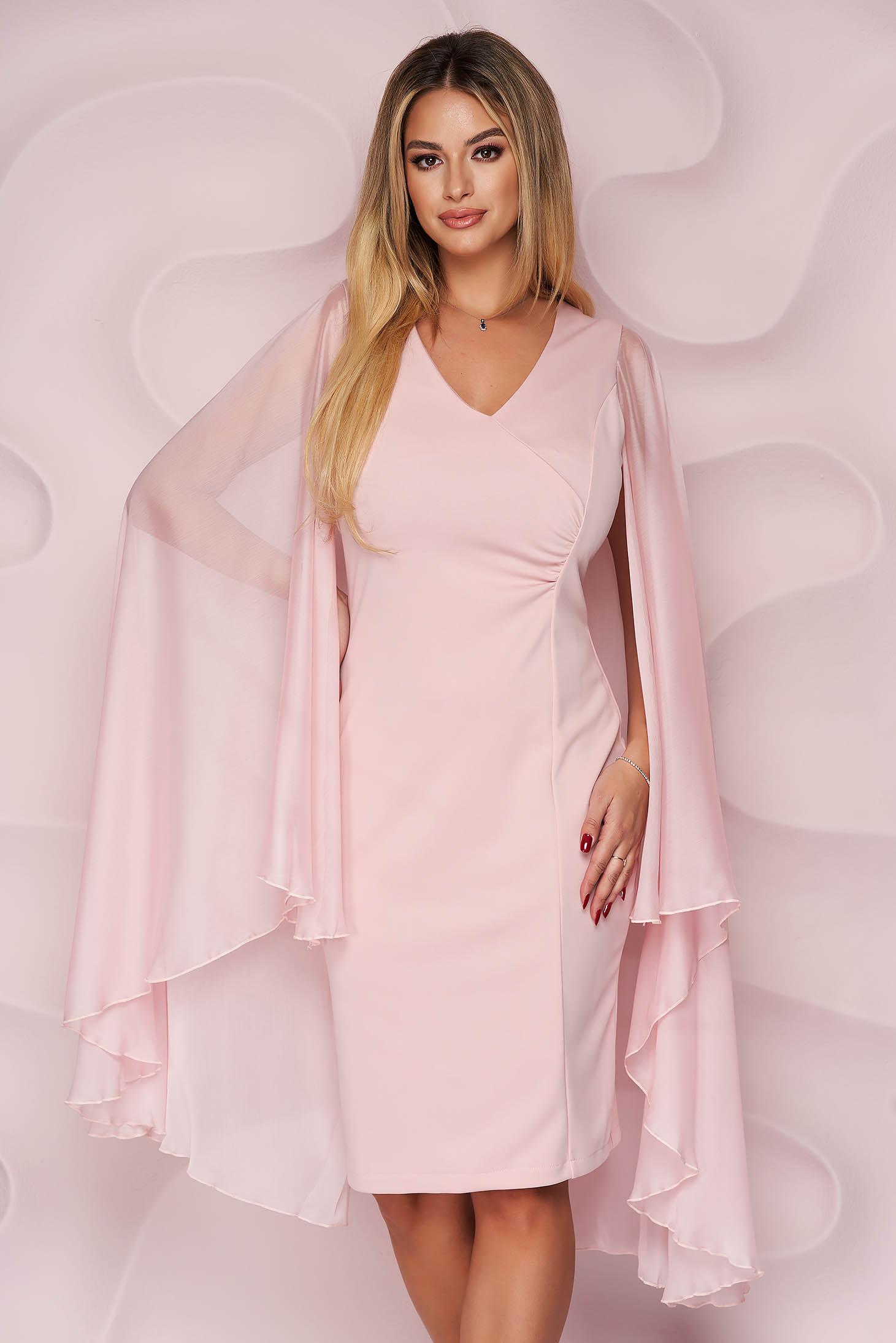 Rochie Artista roz scurta tip creion din stofa elastica si suprapunere de voal