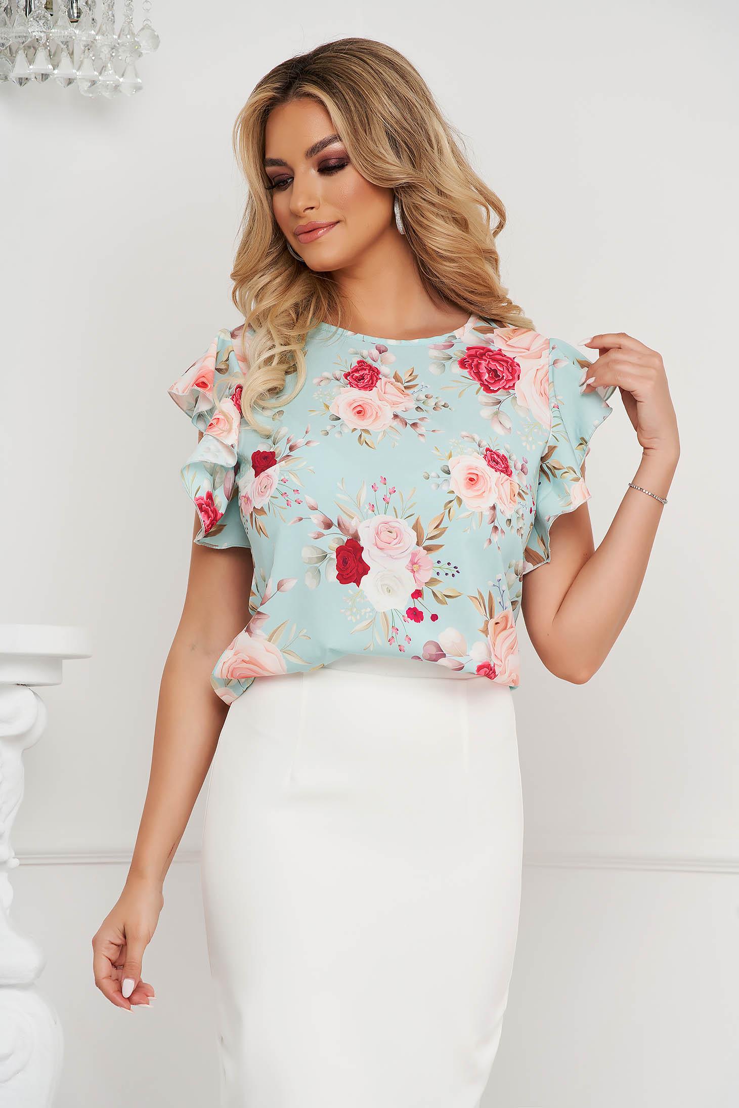 Bluza dama StarShinerS office din material fin la atingere cu croi larg cu volanase si imprimeu floral unic