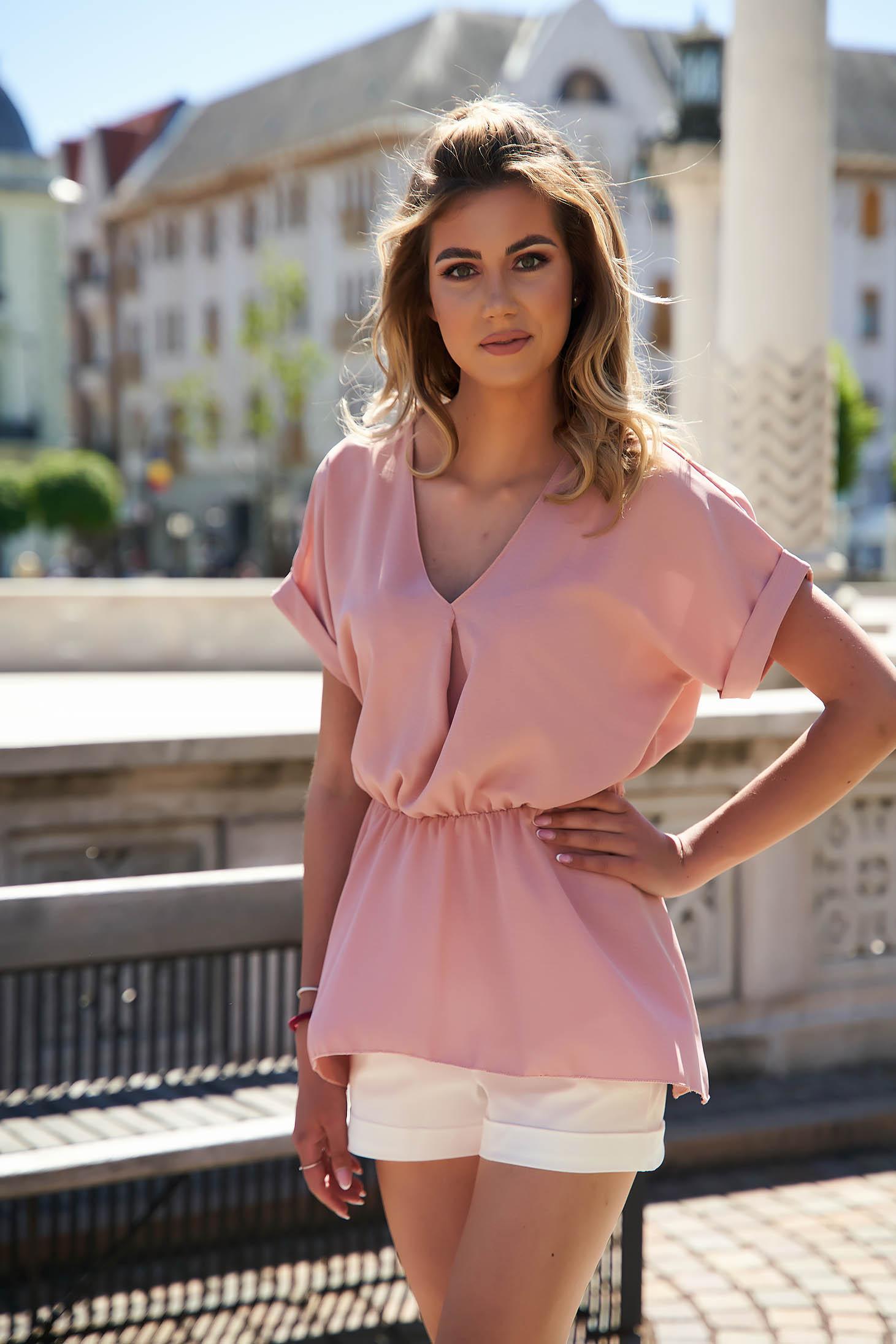 Bluza dama SunShine roz prafuit cu croi larg asimetrica din material vaporos cu maneci scurte