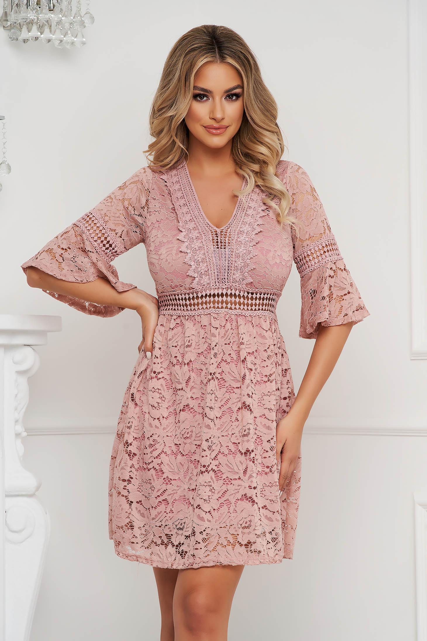 Lightpink dress laced straight with v-neckline