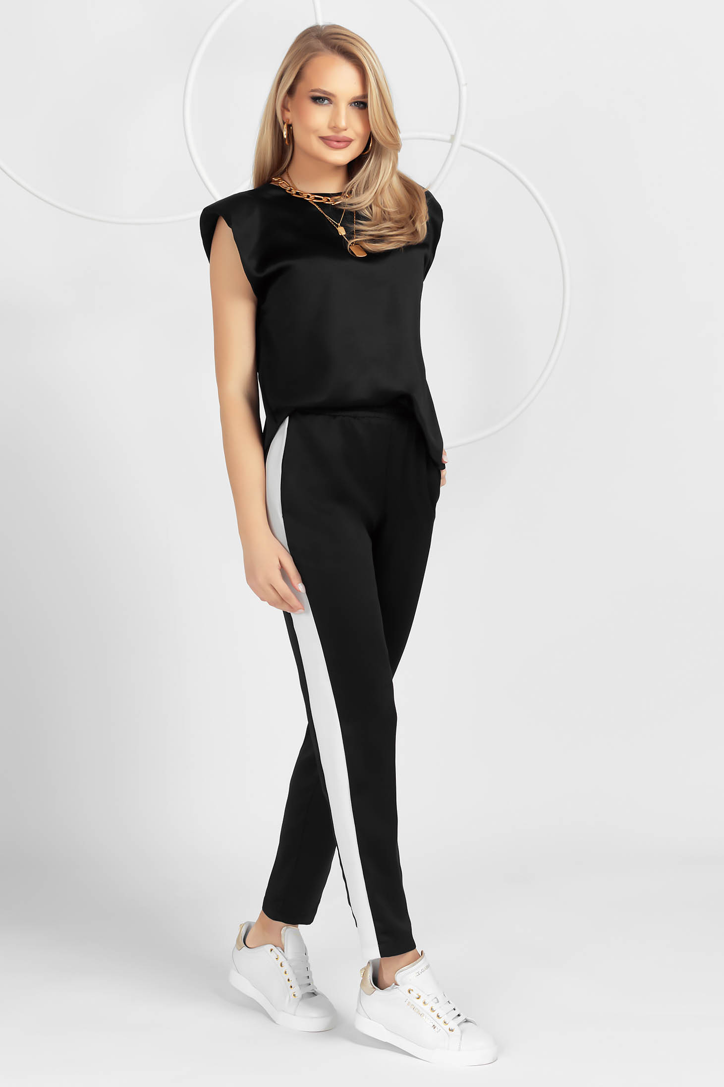 Black sport 2 pieces from satin loose fit with padded shoulders