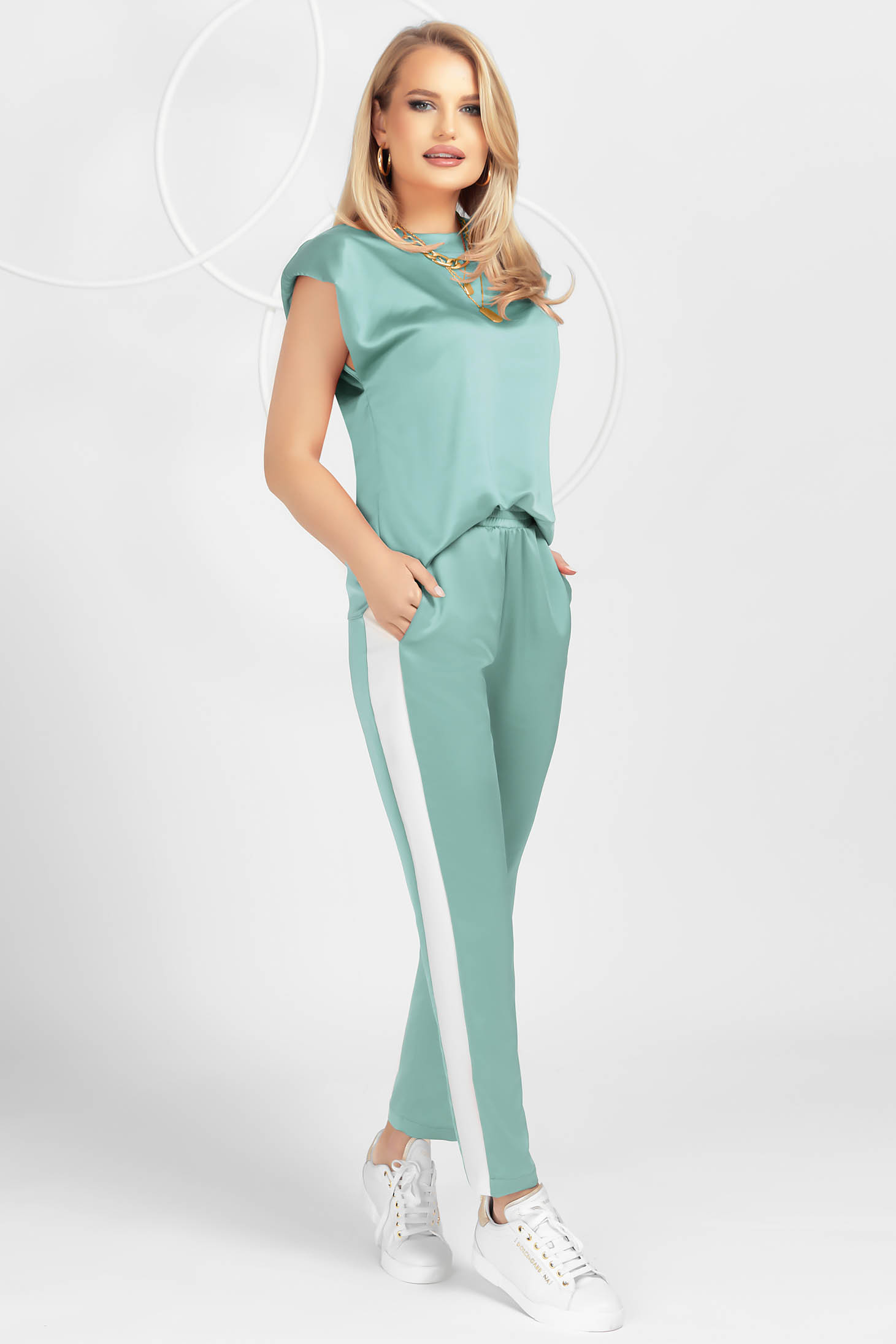 Mint sport 2 pieces from satin loose fit with padded shoulders