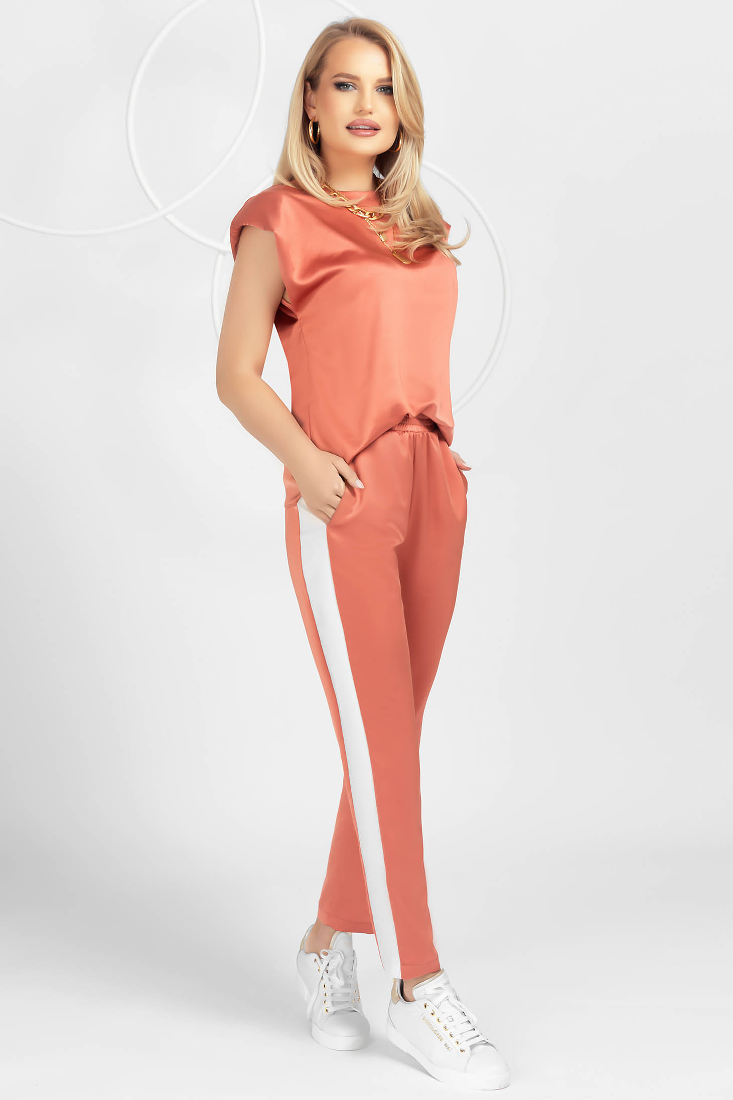 Coral sport 2 pieces from satin loose fit with padded shoulders