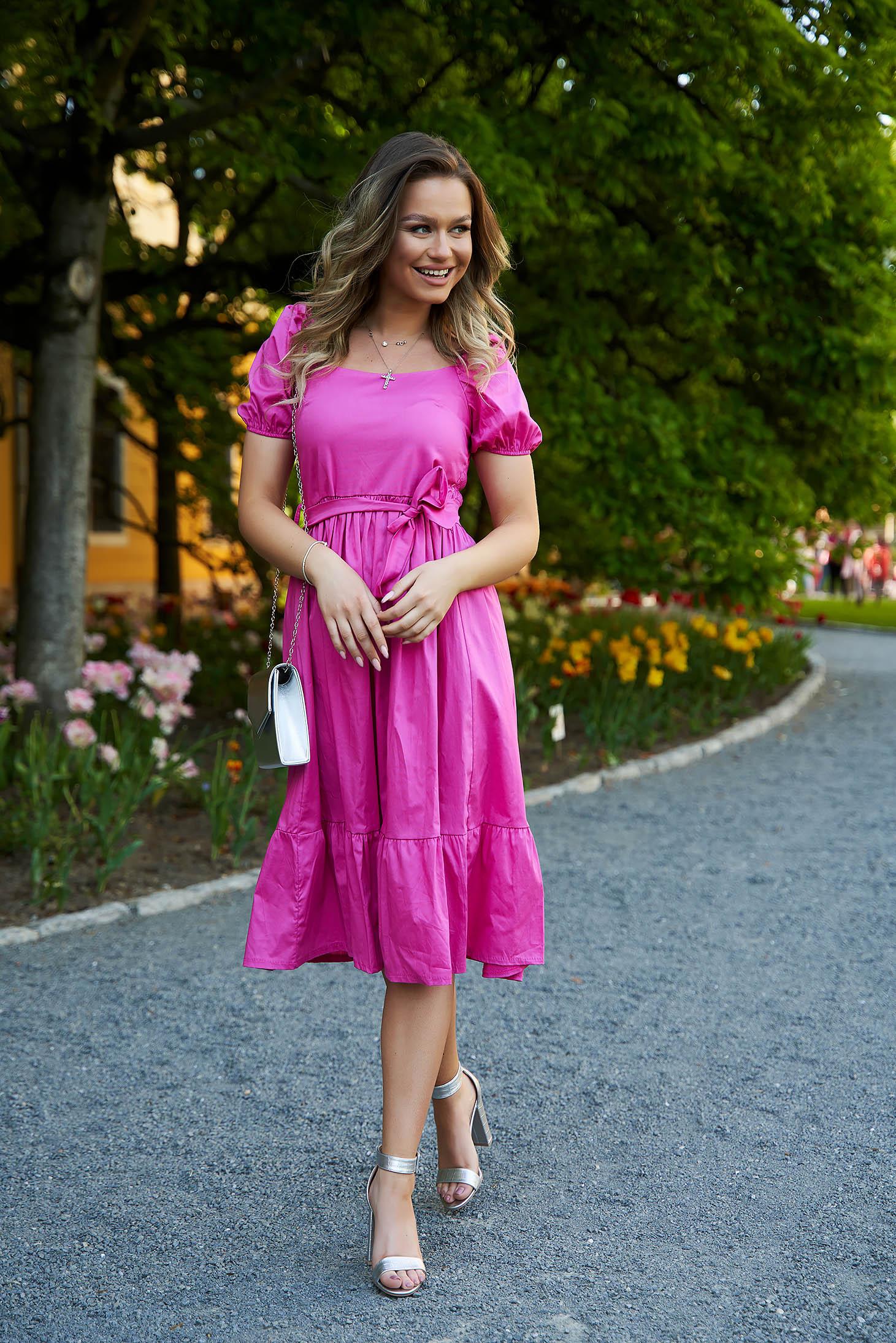 Rochie SunShine roz midi in clos accesorizata cu cordon cu maneci bufante