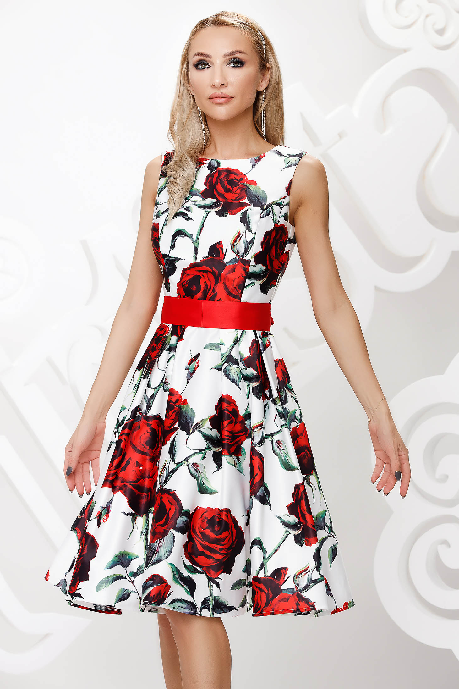 Dress from satin occasional cloche with floral print