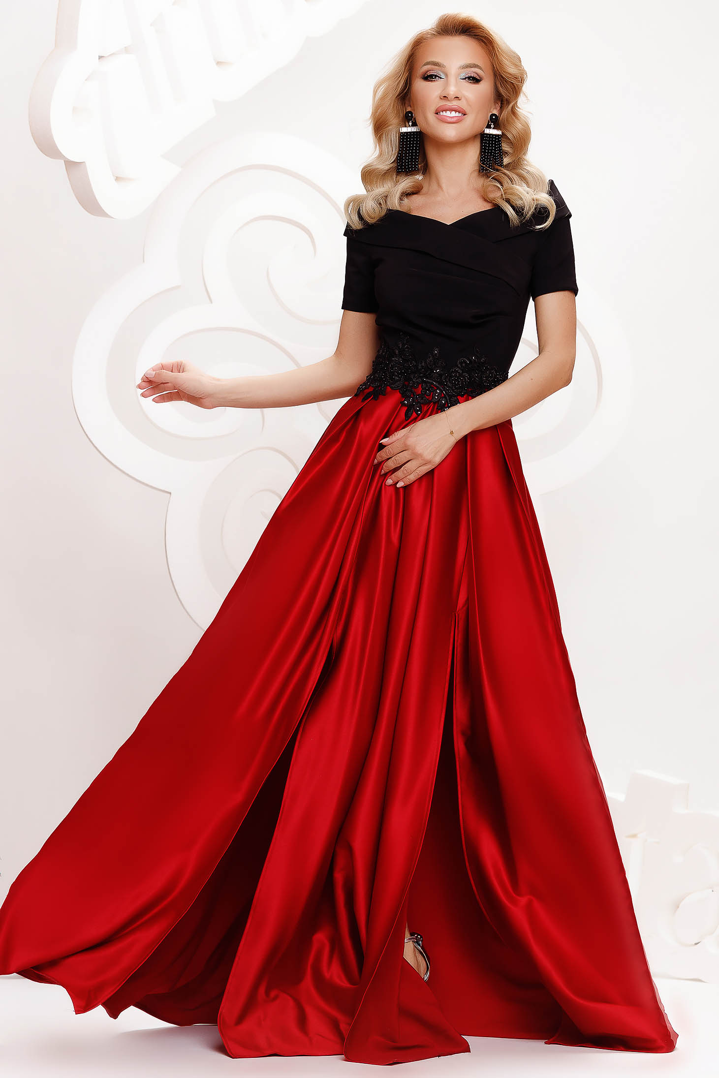 Red dress from satin cloche occasional slit on the shoulders with embellished accessories