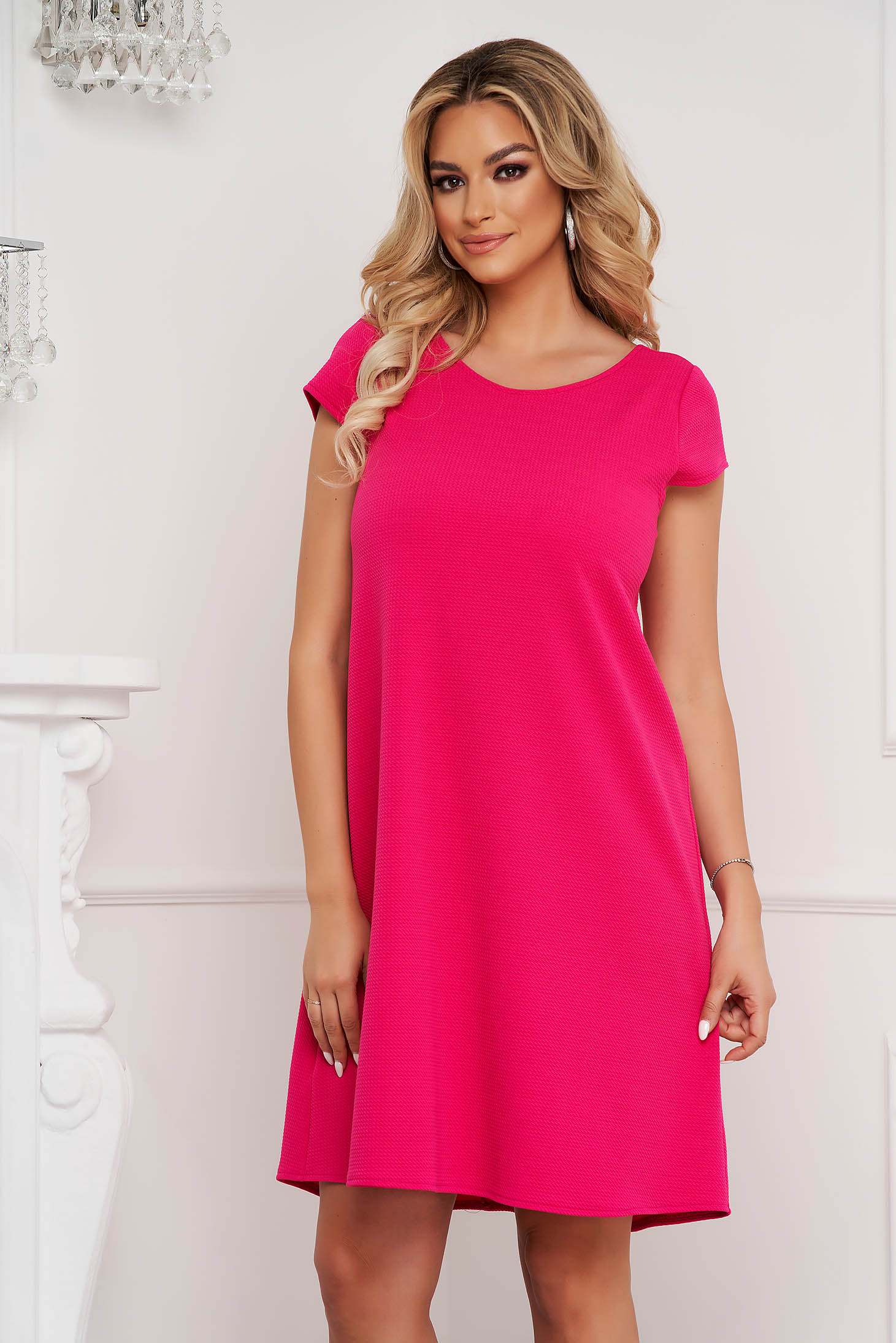 StarShinerS fuchsia dress short cut loose fit wrinkled material with cut back
