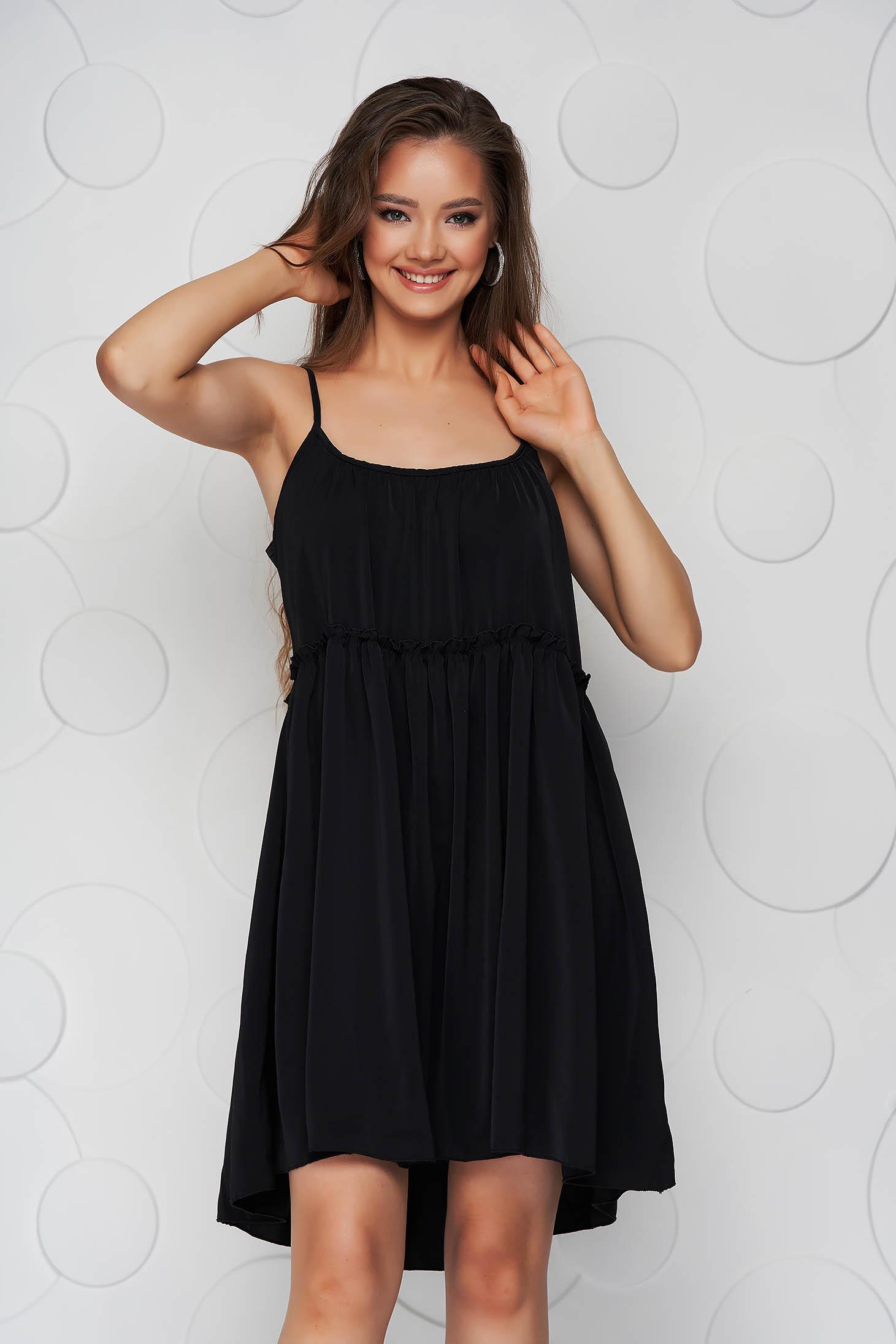 Rochie neagra din material vaporos si subtire cu croi larg cu bretele si decolteu rotunjit