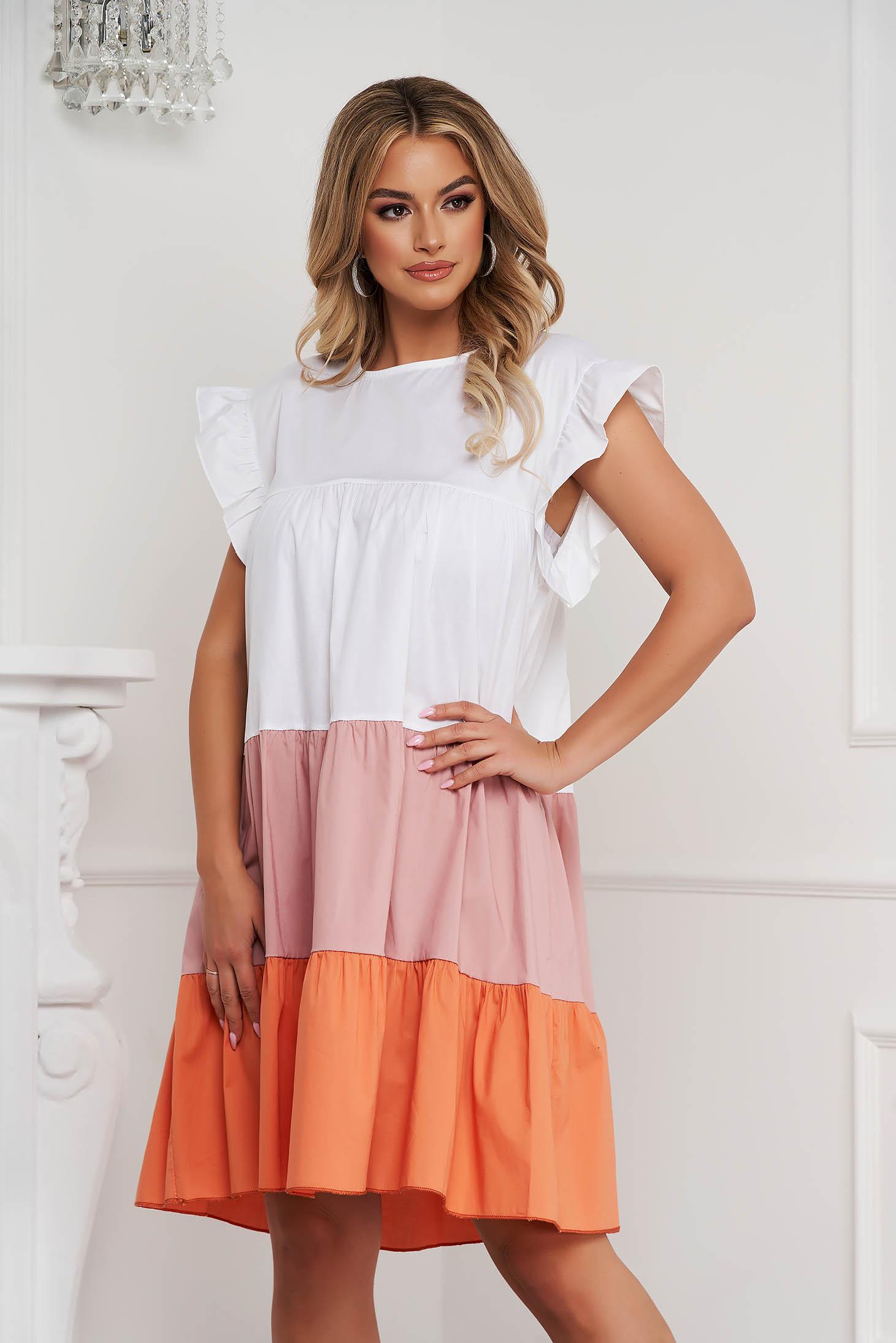 Púder rózsaszínű ruha vékony anyag bő szabású midi fodros vékony anyagból