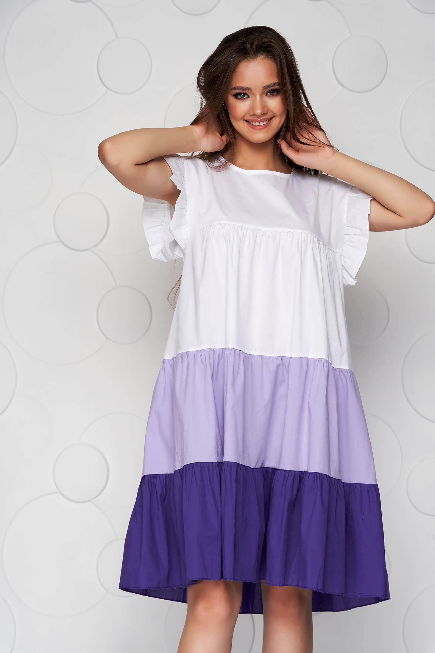 Rochie alba cu lila din material vaporos si subtire cu croi larg midi cu volanase
