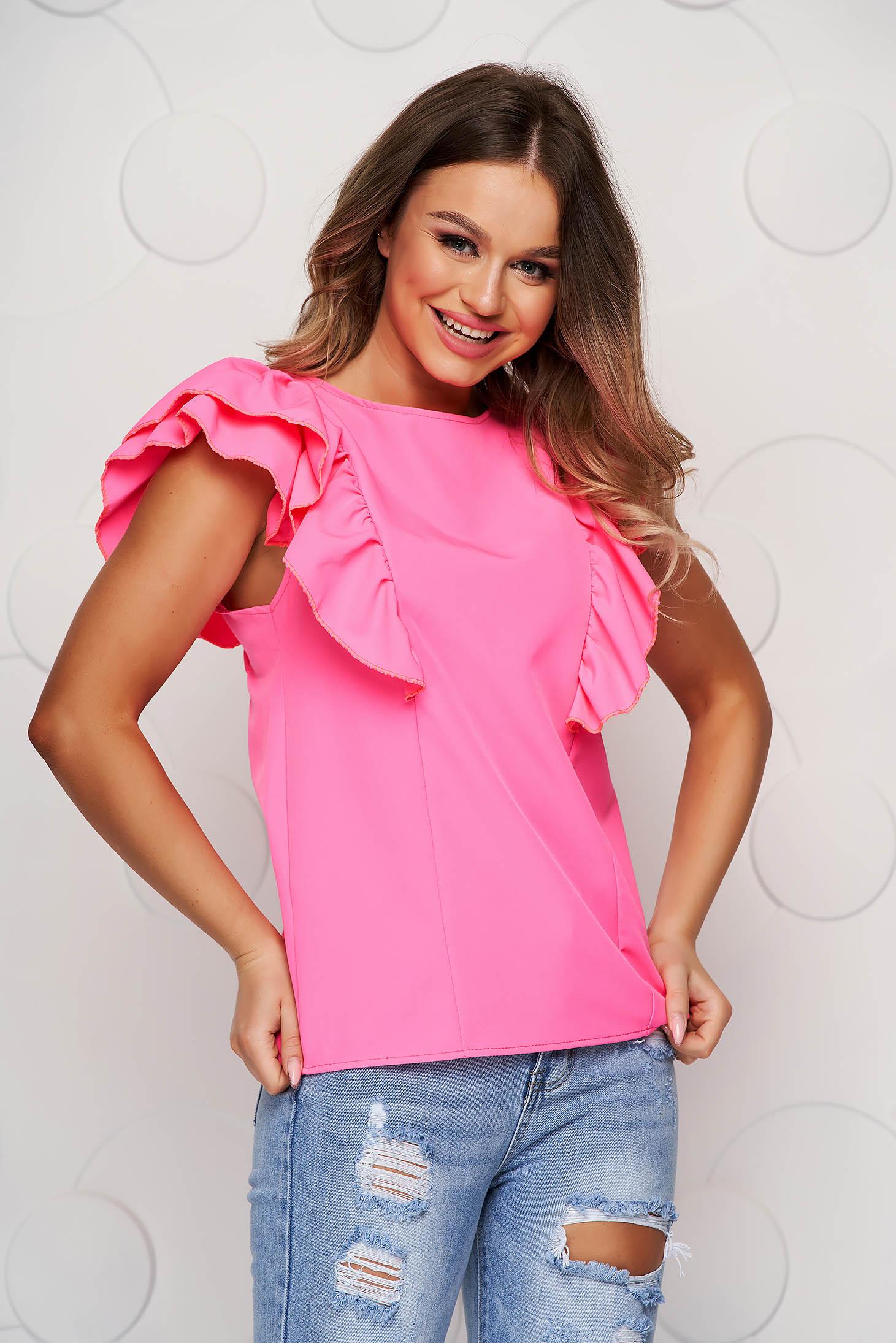 Bluza dama roz cu volanasecu cu spatele decupat si croi larg