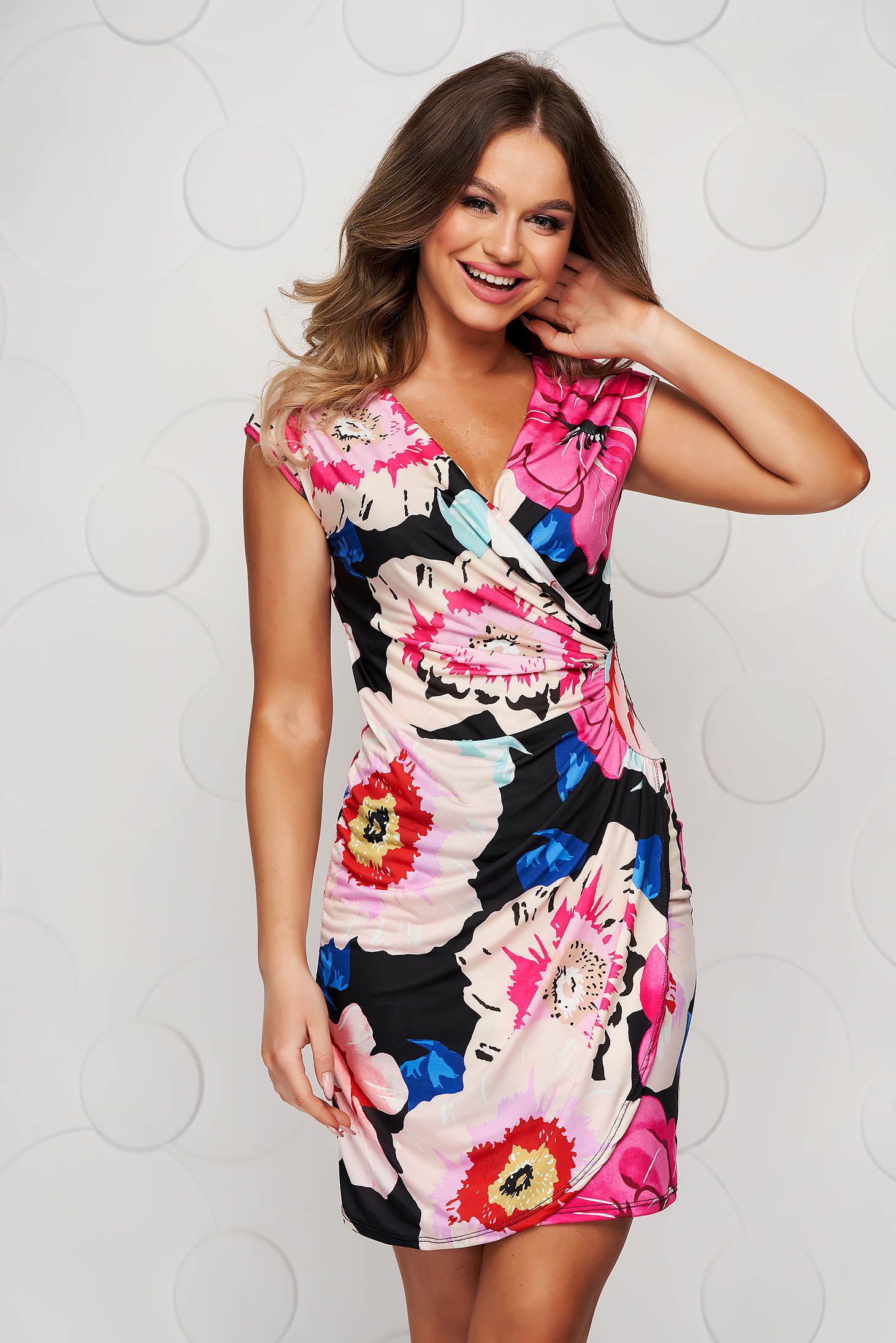 Pink dress with floral print short cut pencil from elastic and fine fabric