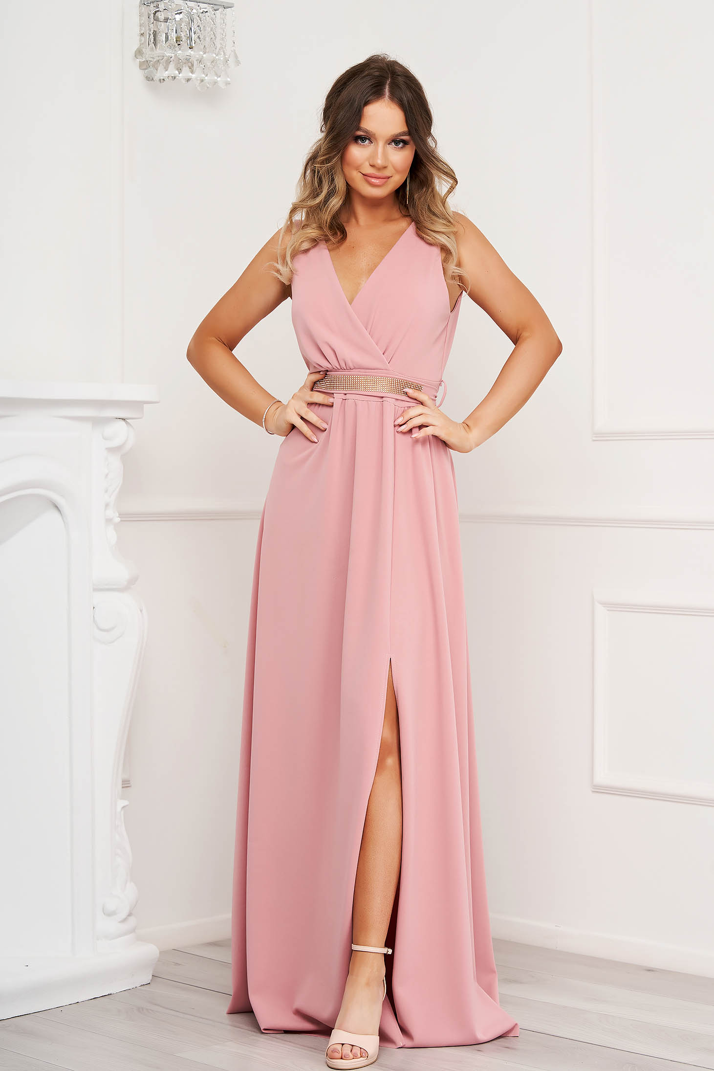 Lightpink dress cloche occasional slit from elastic fabric with v-neckline with embellished accessories