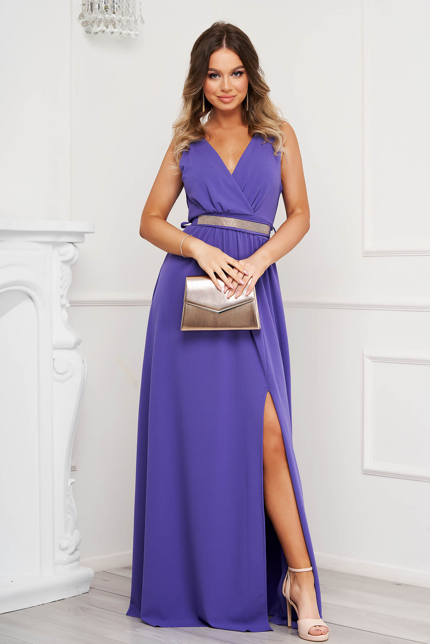 Purple dress cloche occasional slit from elastic fabric with v-neckline with embellished accessories