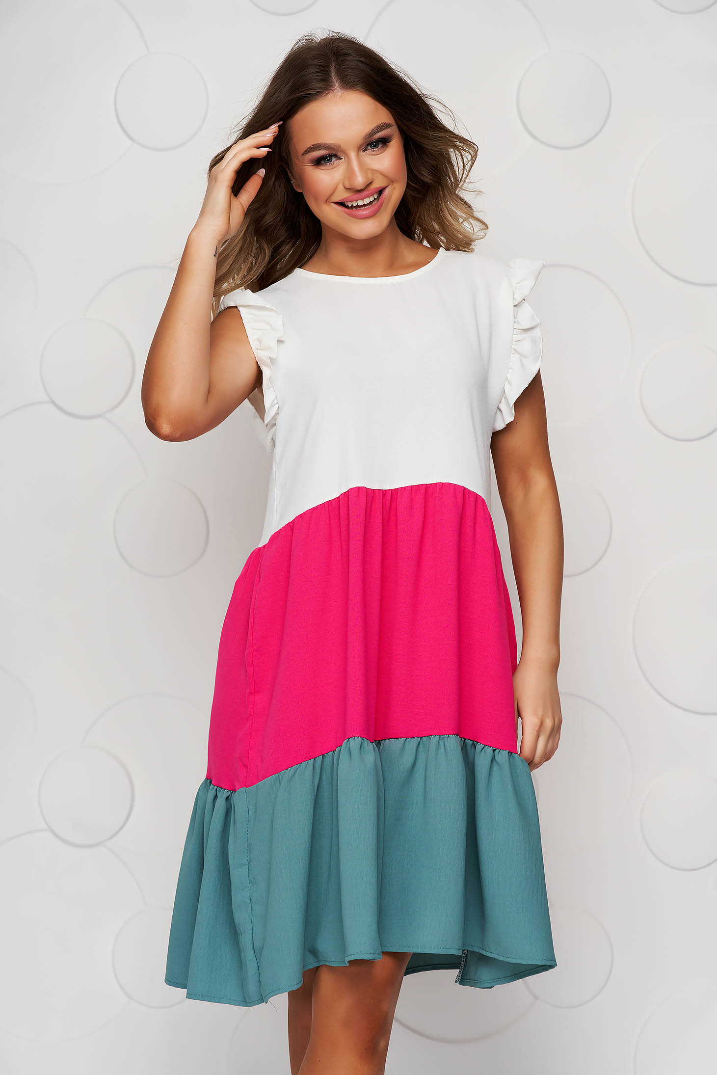 Lightgreen dress thin fabric airy fabric loose fit with ruffle details