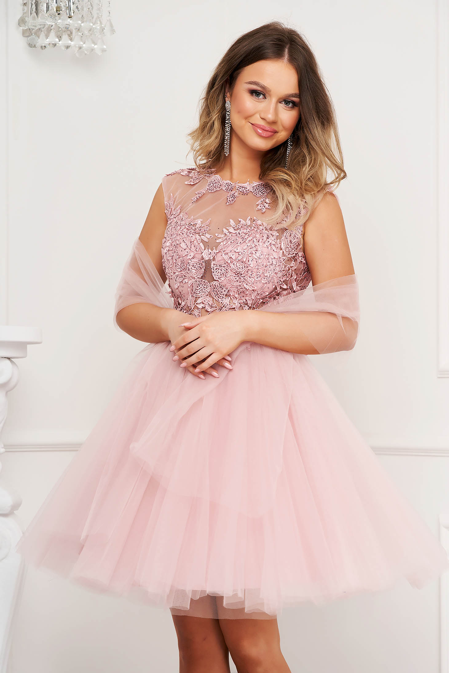 Lightpink dress occasional from tulle laced cloche with push-up cups