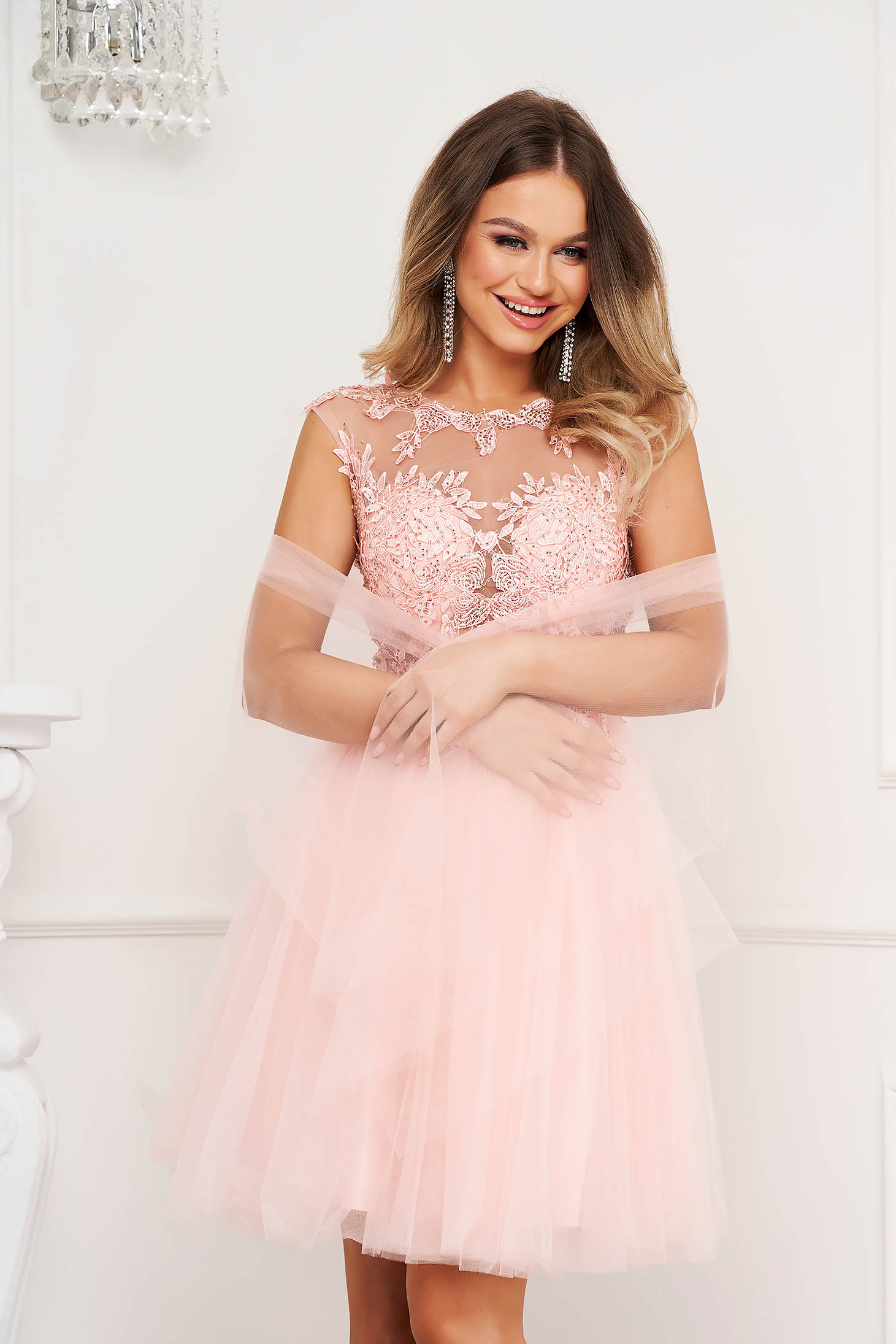 Pink dress occasional from tulle laced cloche with push-up cups