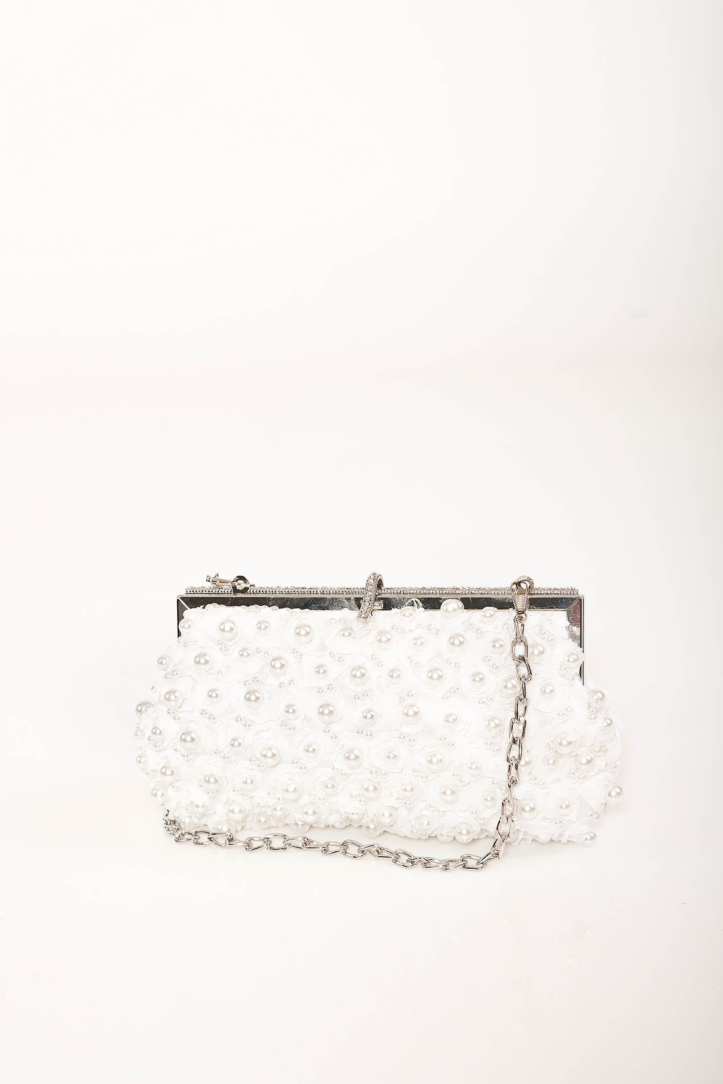 Geanta dama alba de ocazie cu lantisor detasabil si aplicatii cu perle si pietre strass