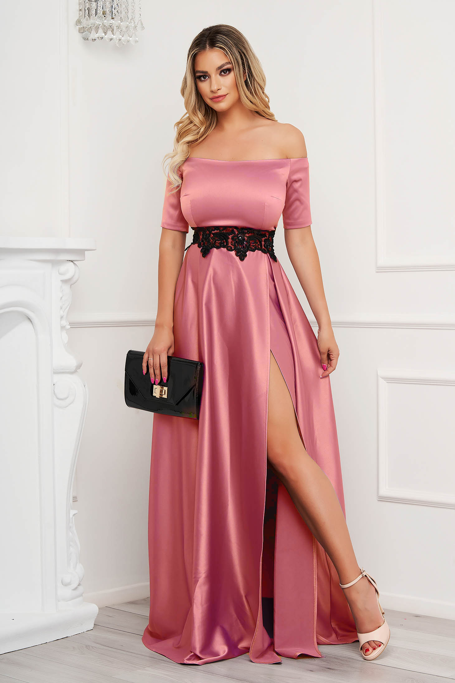 Pink dress from satin cloche occasional with embroidery details on the shoulders slit