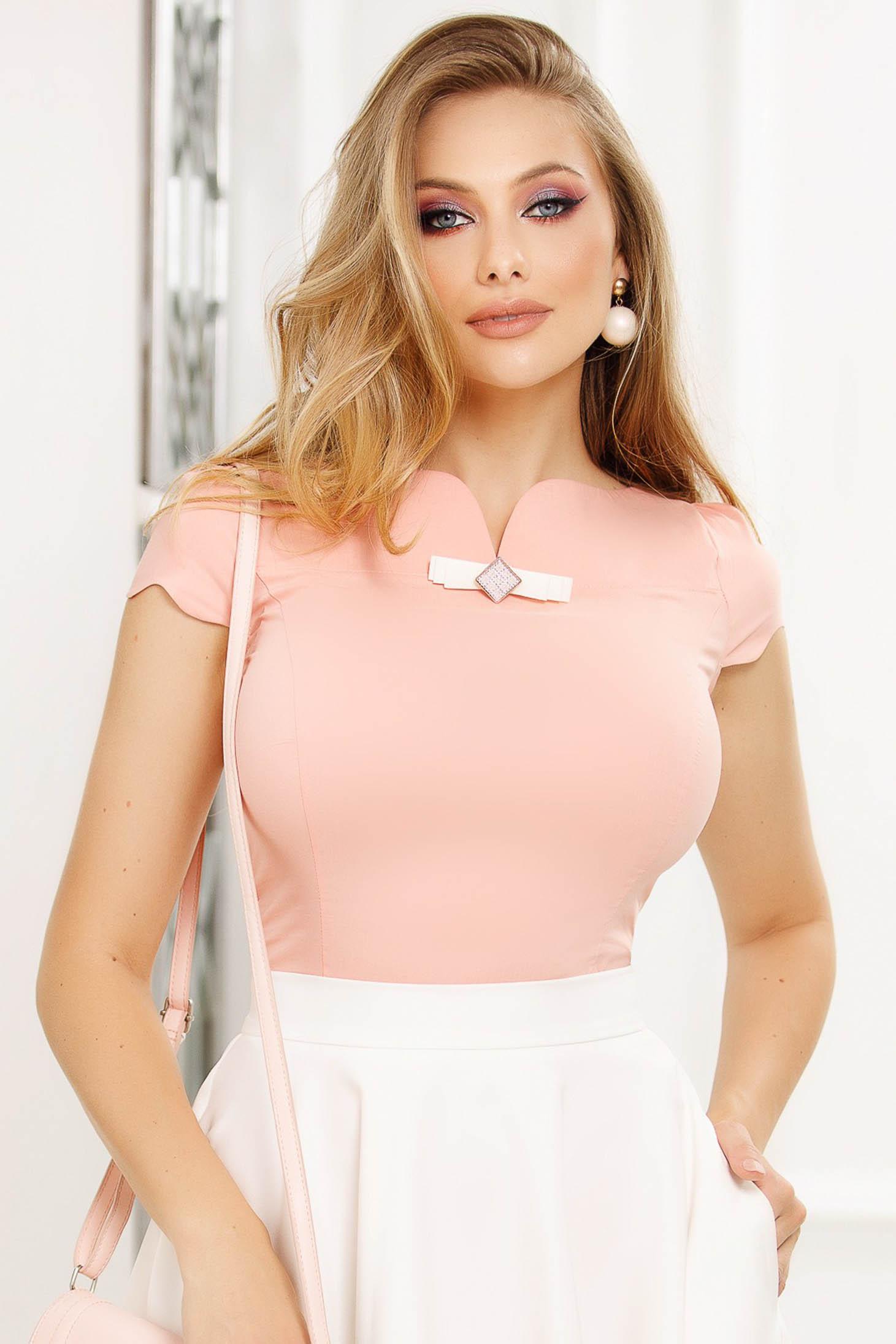 Barackvirágszínű szűkített irodai női ing rugalmas anyagból