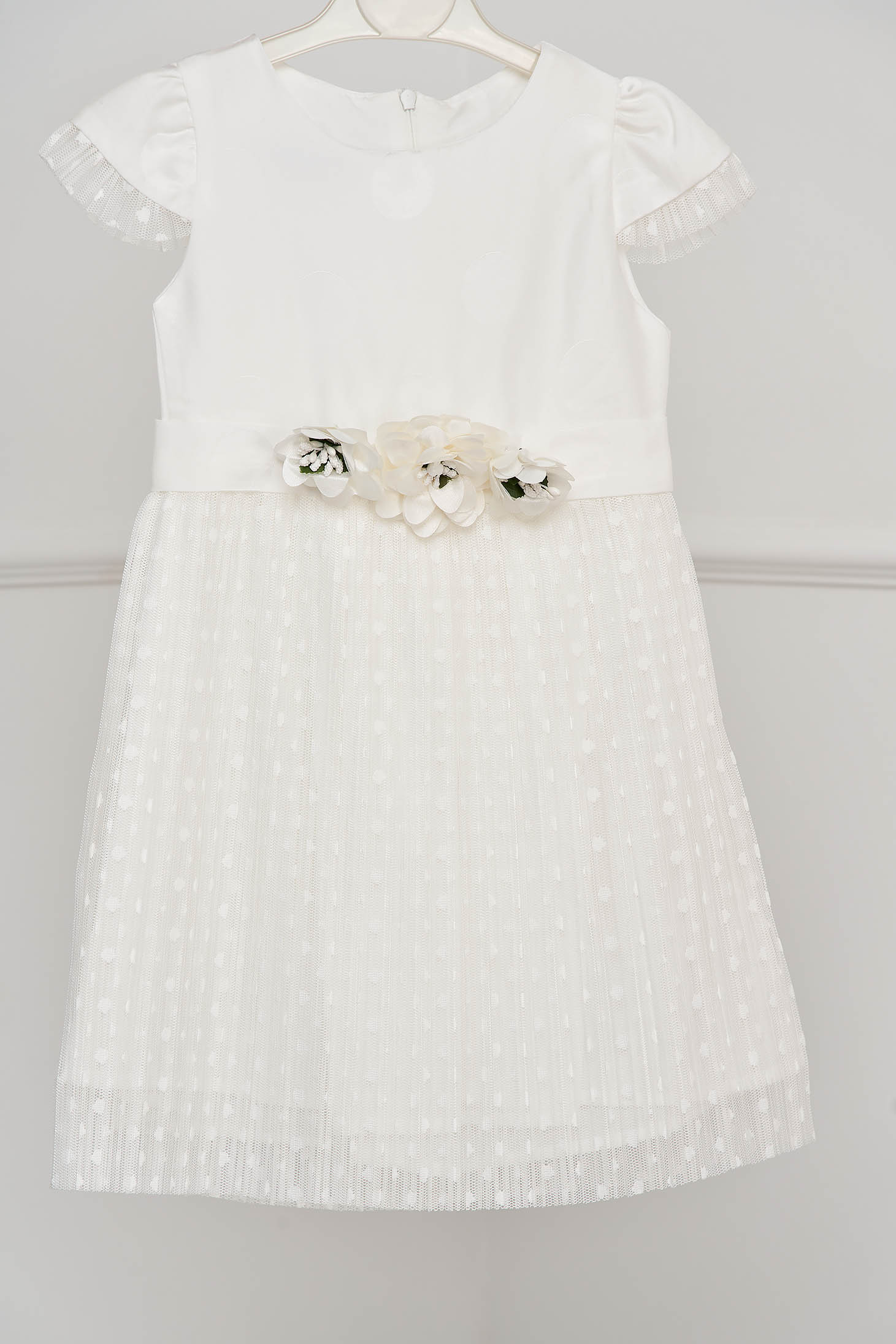 White dress occasional cloche laced folded up accessorized with breastpin