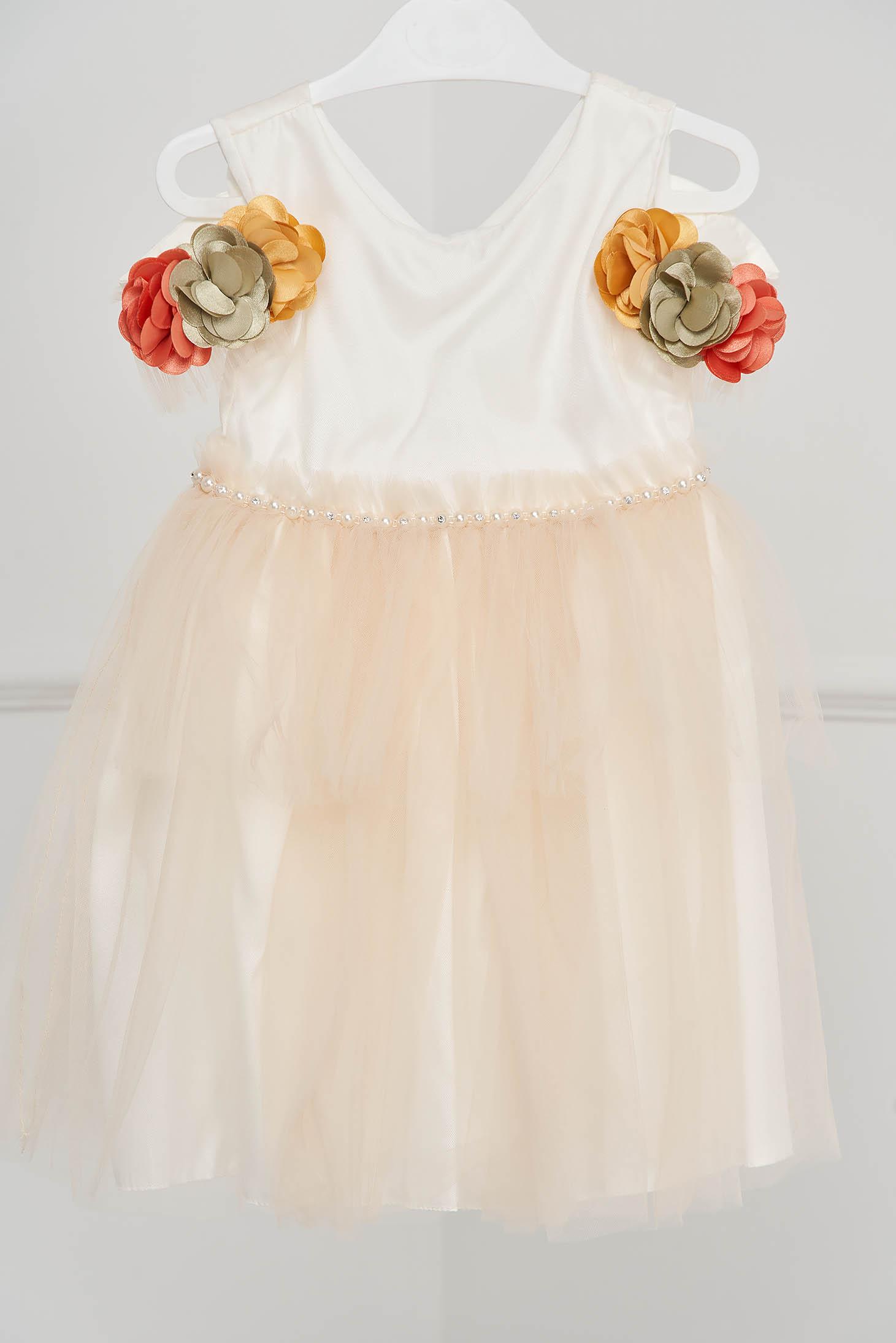 Rochie pentru fetite ivoire de ocazie din tul cu aplicatii cu margele iin talie si flori in relief la maneci