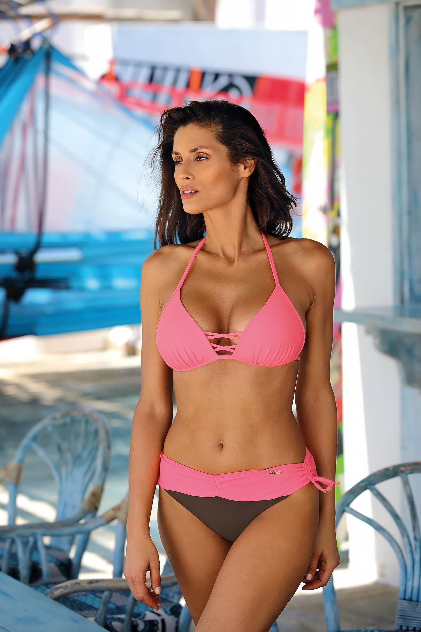 Két részes pink fürdőruha brazil bikinialsóval
