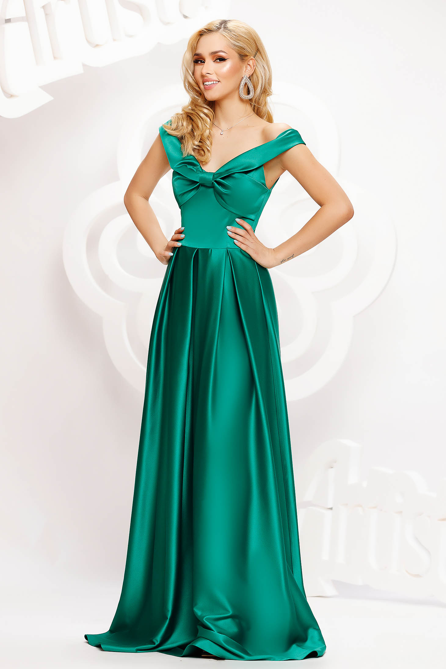 Green dress long cloche from satin naked shoulders with bow