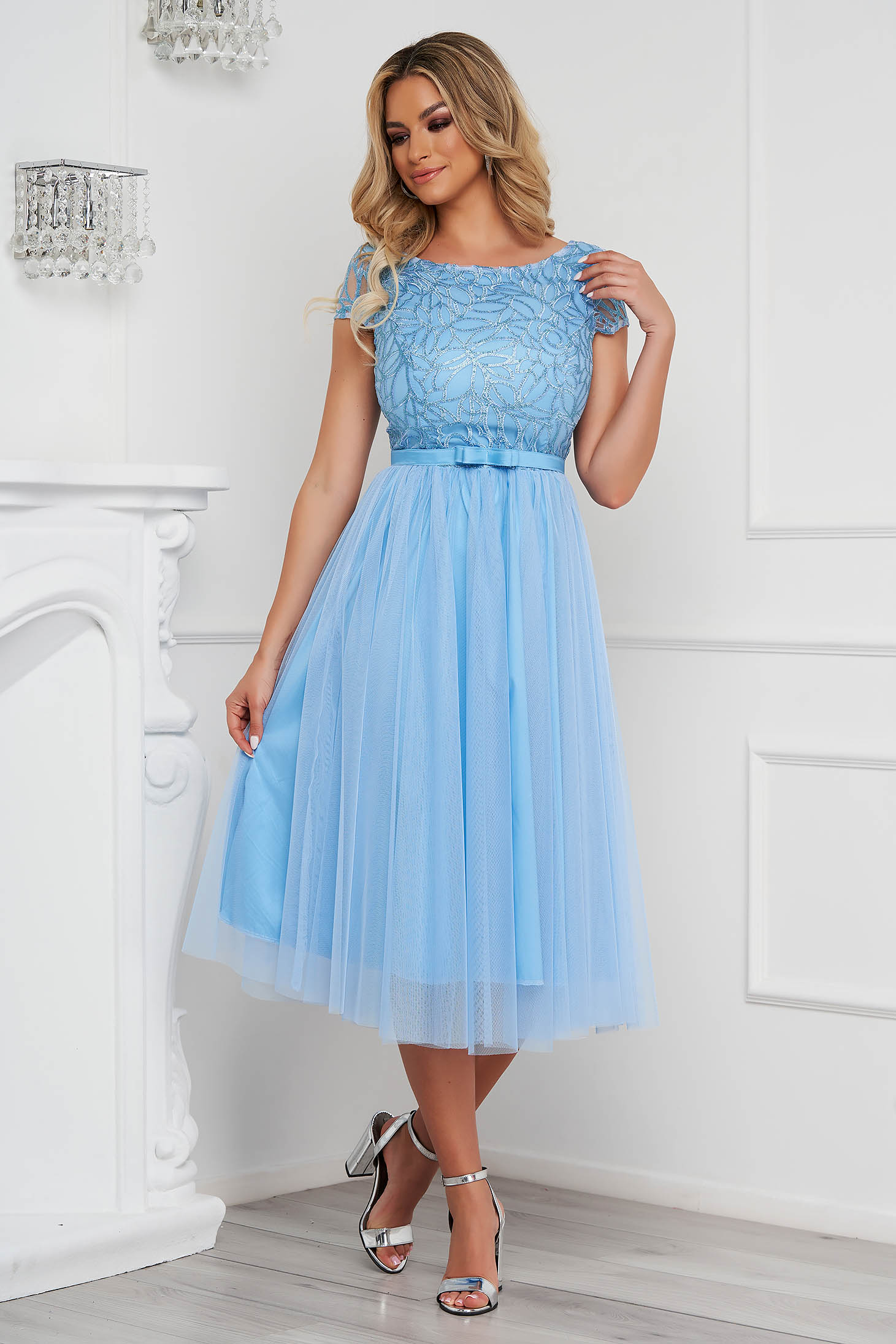 Dress StarShinerS lightblue midi occasional cloche laced from tulle accessorized with tied waistband