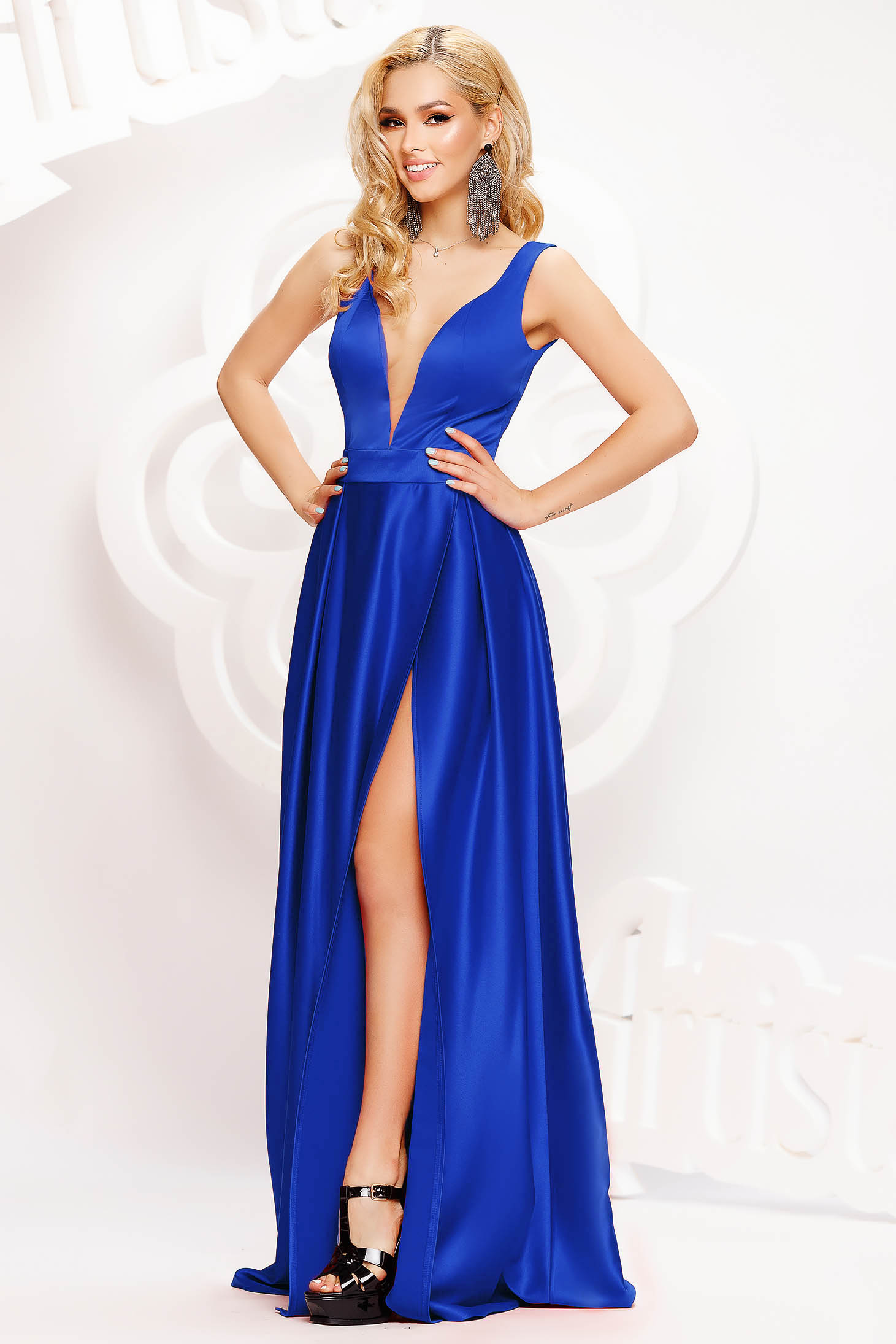 Blue dress occasional long cloche from satin with deep cleavage