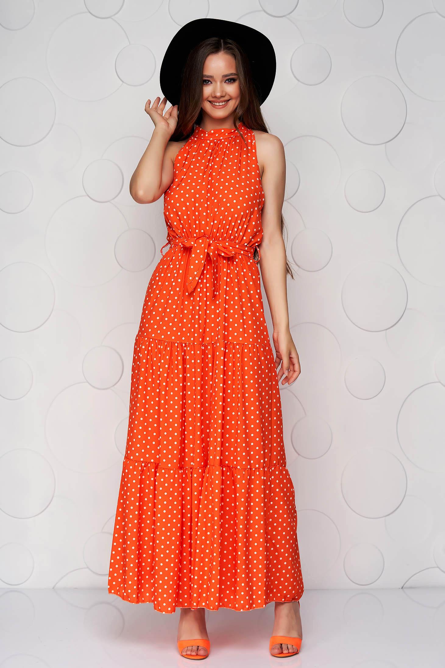 Rochie SunShine portocalie din material vaporos in clos cu buline si guler tip halter