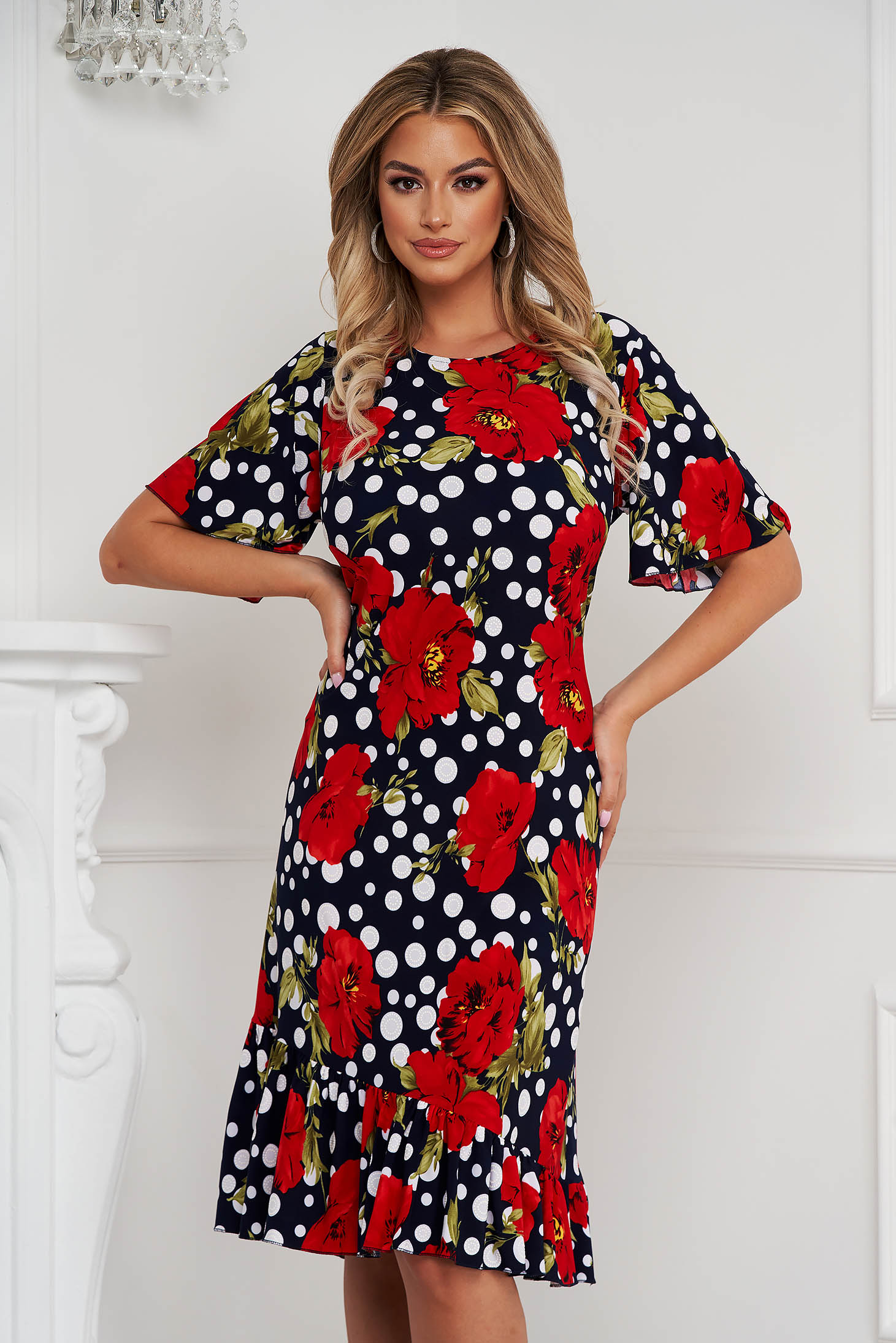 Dress midi straight from elastic fabric with ruffle details with floral print