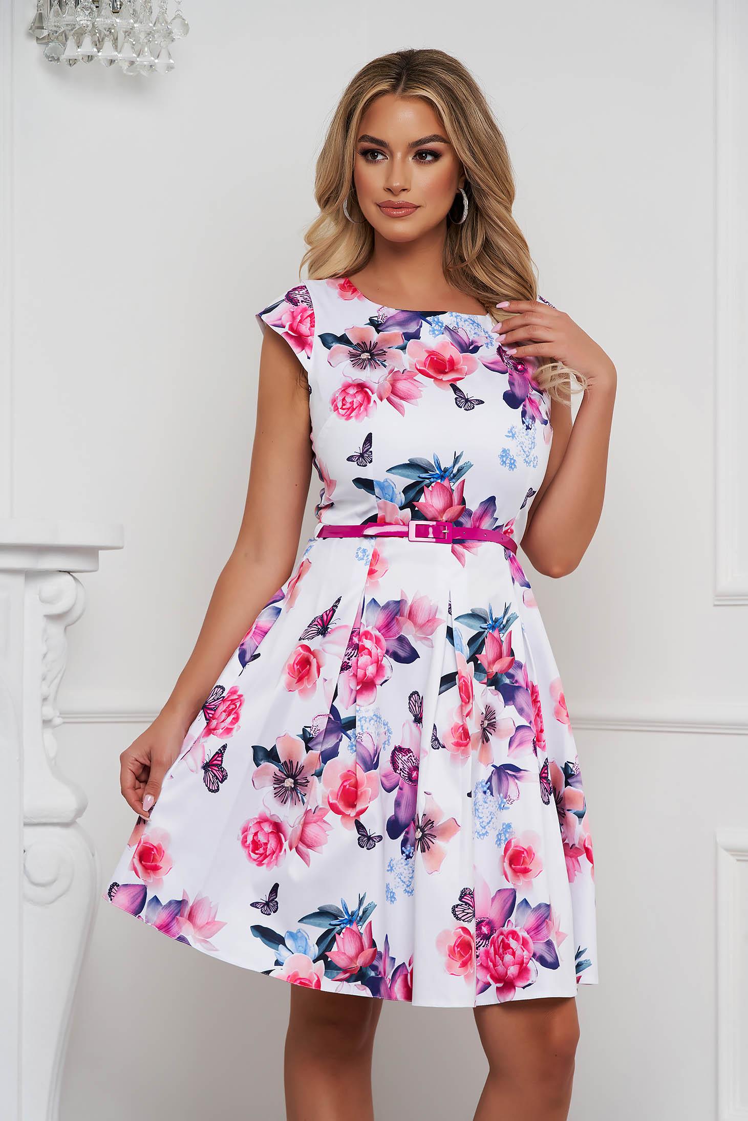 Rochie eleganta scurta in clos din material usor elastic cu imprimeu floral