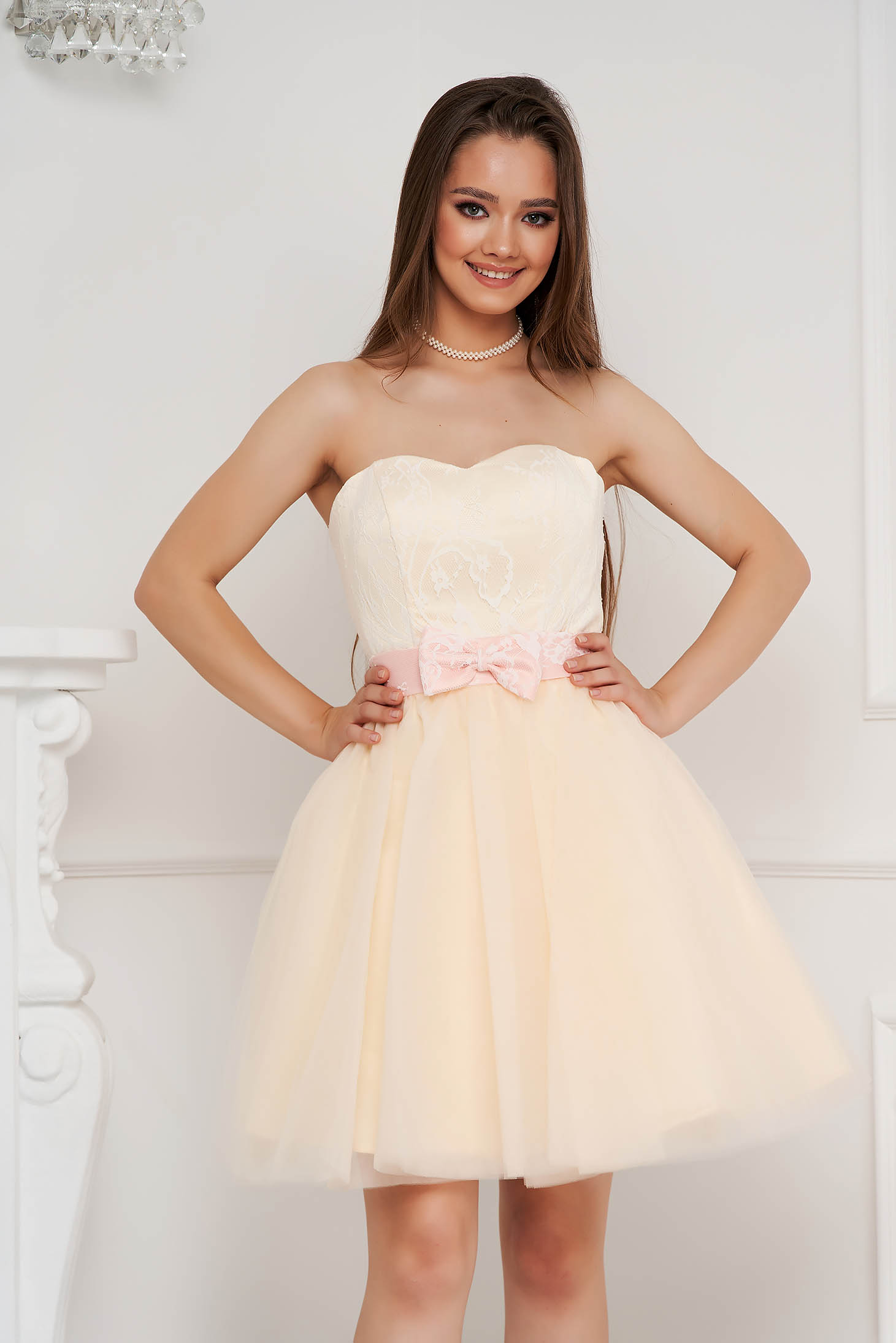 Ivory dress short cut occasional from tulle with lace details with bow